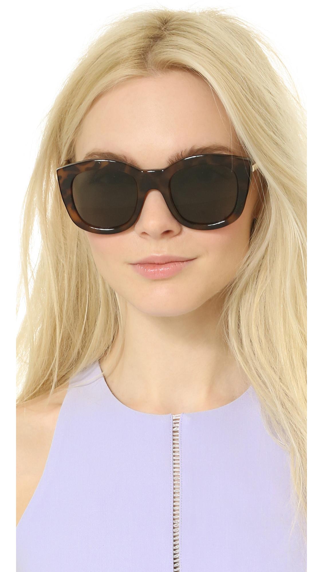 71d824522e3 Lyst - Le Specs Runway Luxe Mirrored Sunglasses - Milky Tort khaki ...