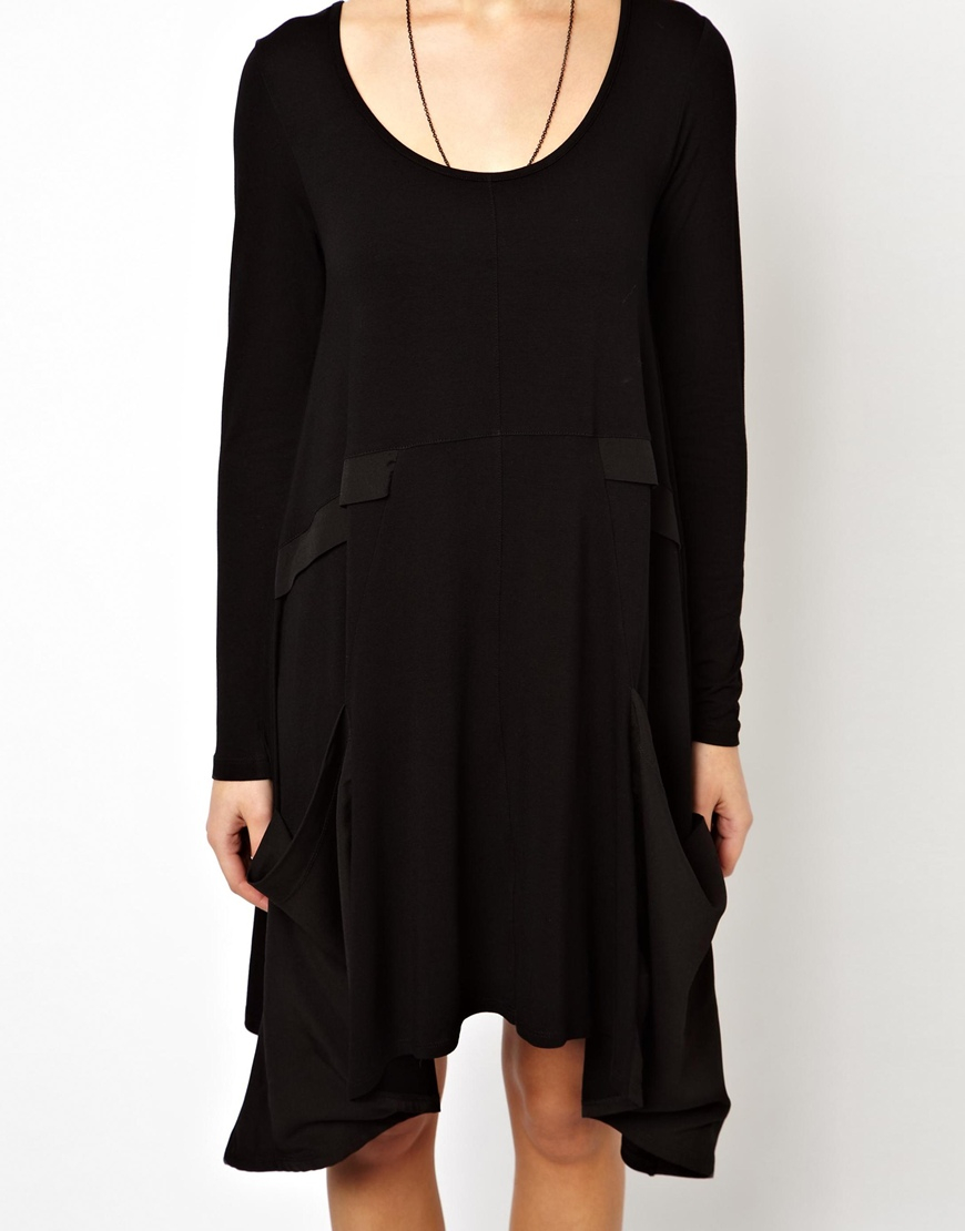 45cbab358efd ASOS Swing Dress with Woven Drape Pocket and Long Sleeve in Black - Lyst