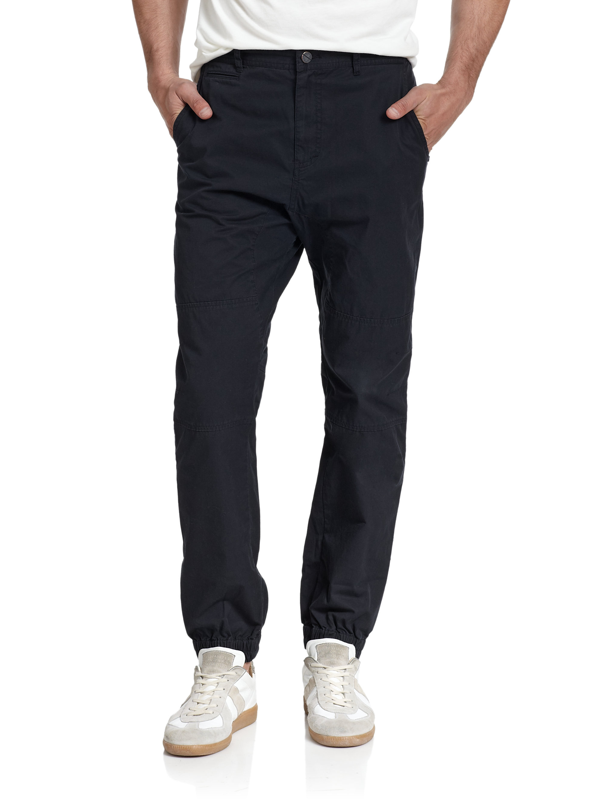 Men's joggers are the perfect way to make casual comfort possible. More than just a regular pair of sweatpants, joggers for men look cool, keep you warm, and feel great. Find men's joggers in all your favorite styles, from classic black joggers that you can rock from the office to the gym to colored joggers in grey, navy, maroon and more.