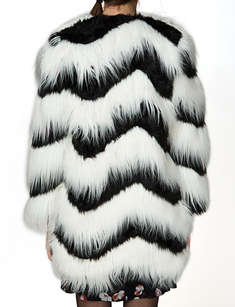 Find a great selection of women's fur coats & faux fur at shopnew-5uel8qry.cf Shop top brands like Trina Turk, Moose Knuckles & more. Free shipping & returns.
