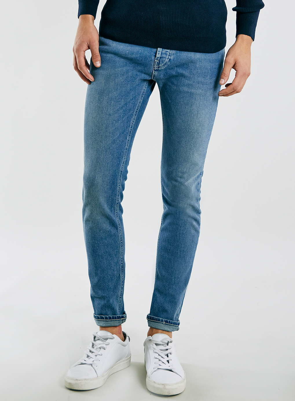The jean: H&M Skinny Regular Jeans, $* (our pairs were $), and H&M+ Shaping Skinny Jeans, $ *H&M changes their stock so often that the jeans currently available are slightly different than (although still pretty similar to) the exact jeans we tried.