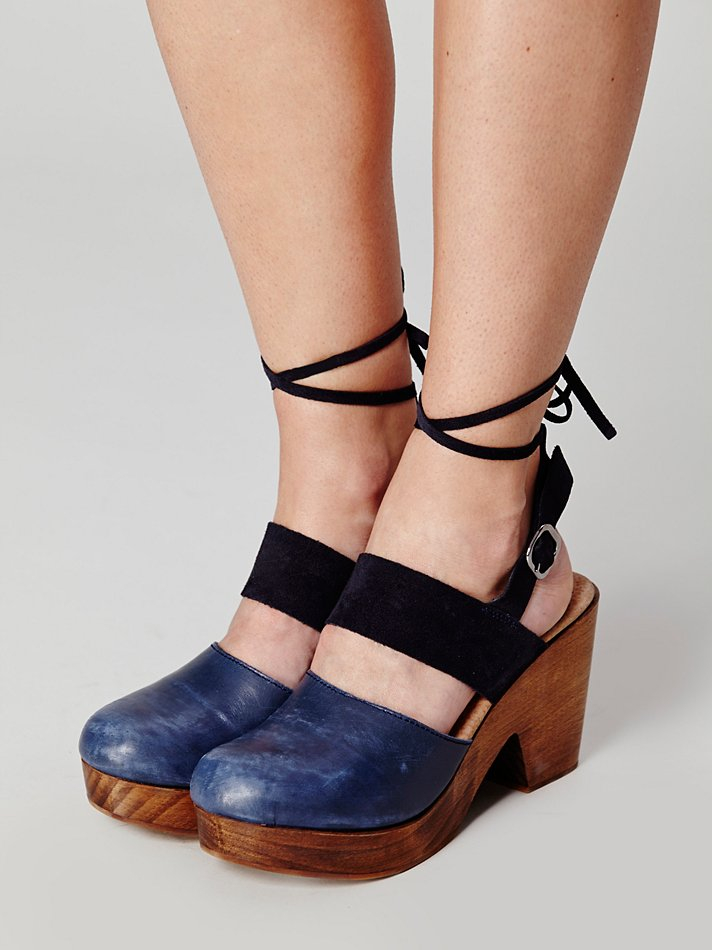 d3a3e6df1e Free People Belmont Leather Clog in Blue - Lyst