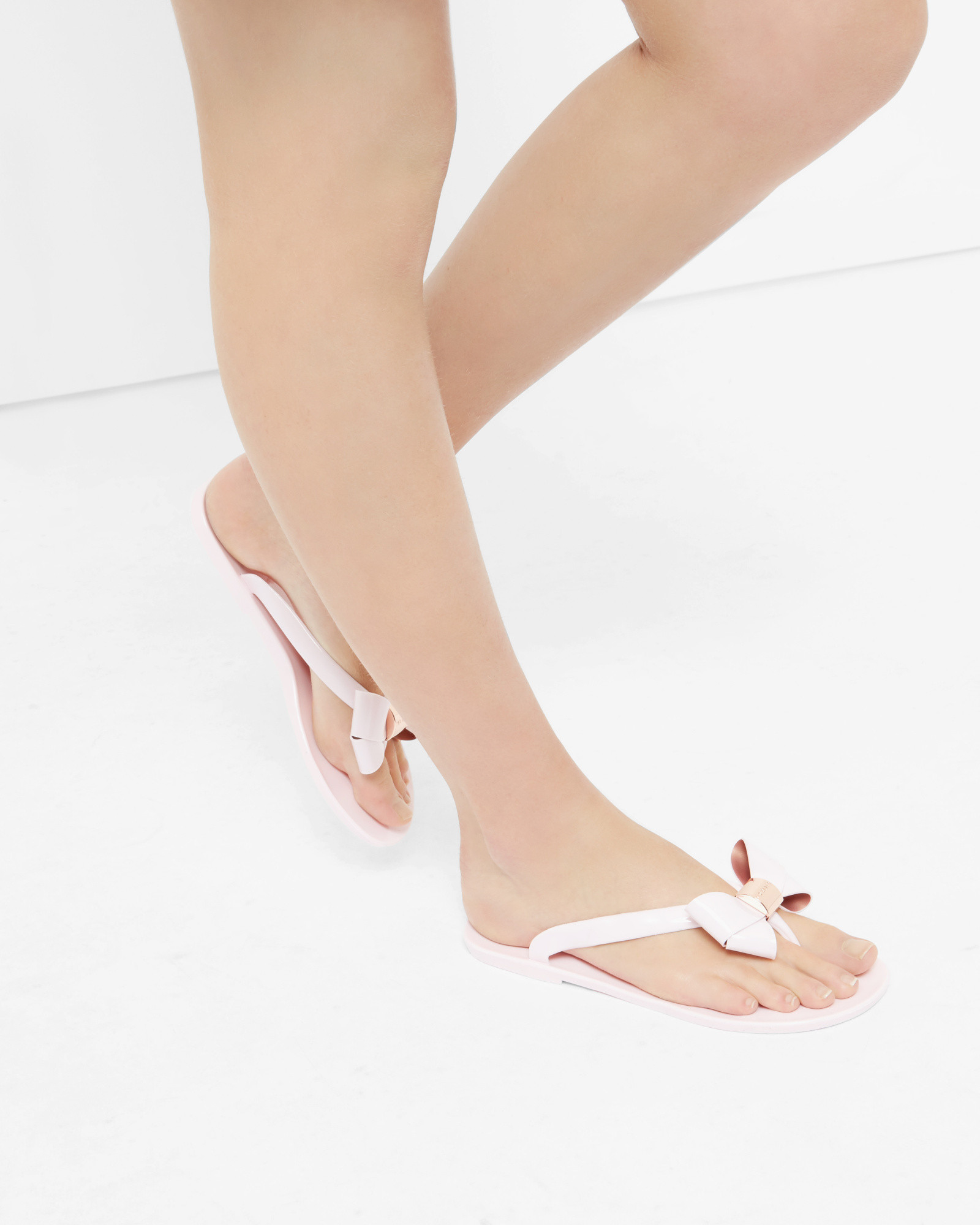 3875d0e36605 Lyst - Ted Baker Bow Flip Flops in Pink