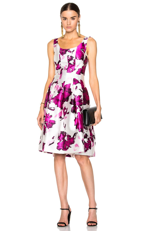 e3d8e9eeda591 Lyst - Oscar de la Renta Pleated Floral-print Silk Dress in Pink
