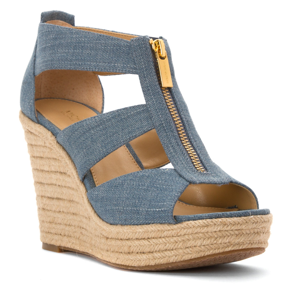 c867a5840b1 Gallery. Previously sold at  Shoes.com · Women s Michael By Michael Kors ...