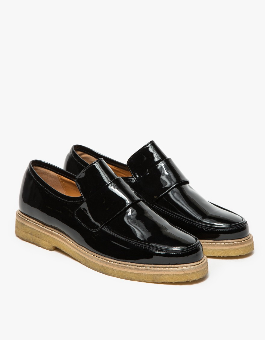 ganni patent shoes in black lyst