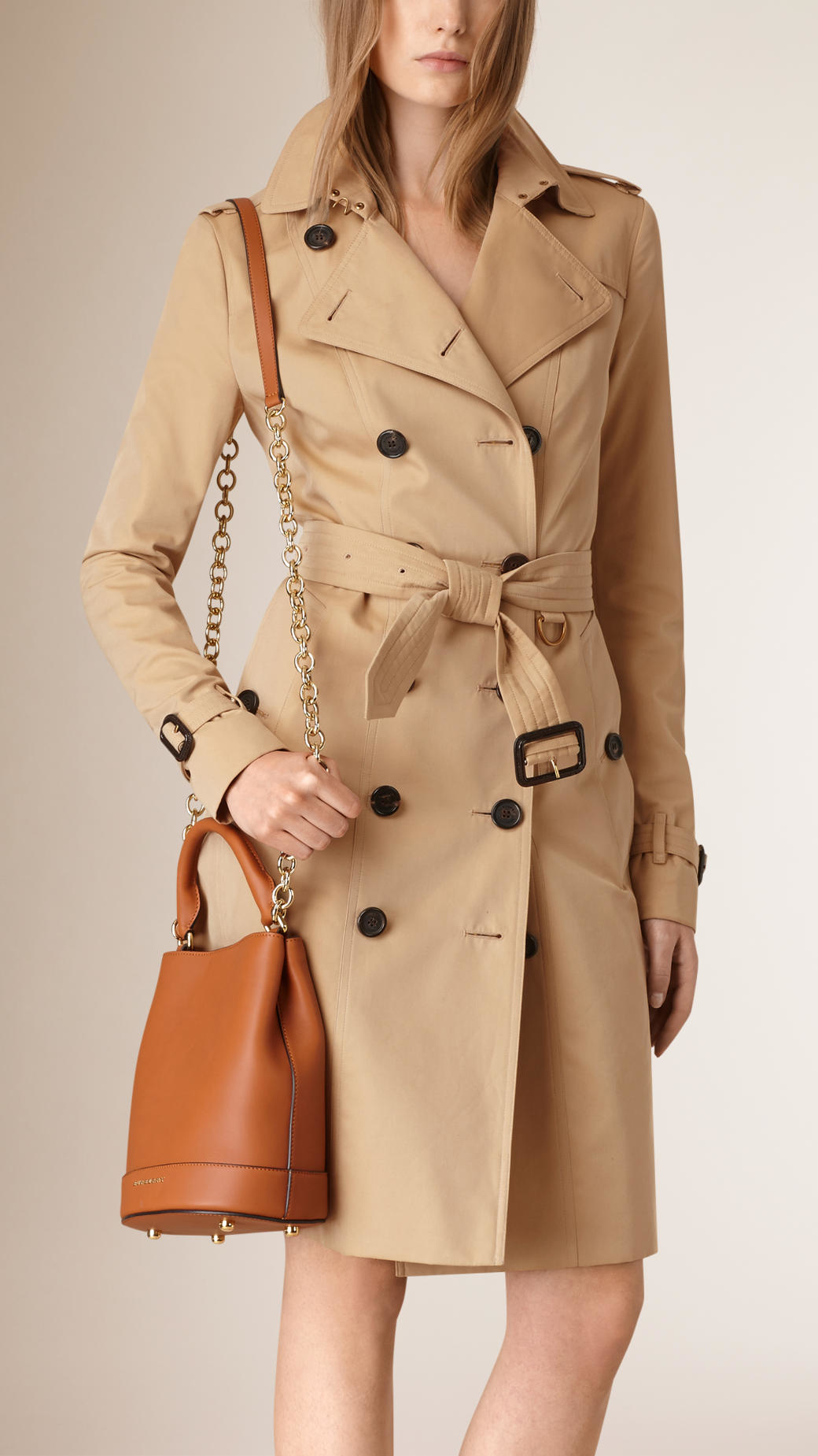 84dab331a904 Lyst - Burberry The Small Bucket Bag In Leather Light Toffee in Brown