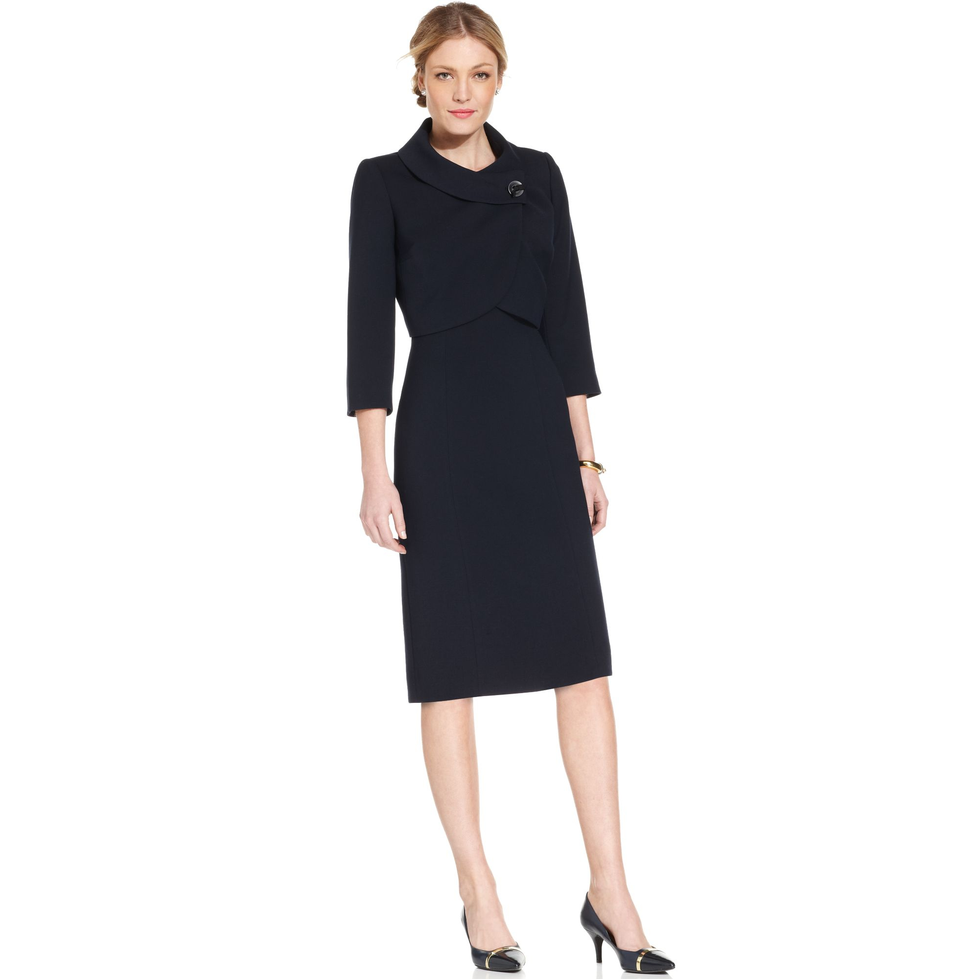Every day can be a special occasion with women's dresses It can be nerve-wracking to have a special event like a wedding or party to attend, but no idea what to wear. Kmart has dresses for women that work for any type of occasion.