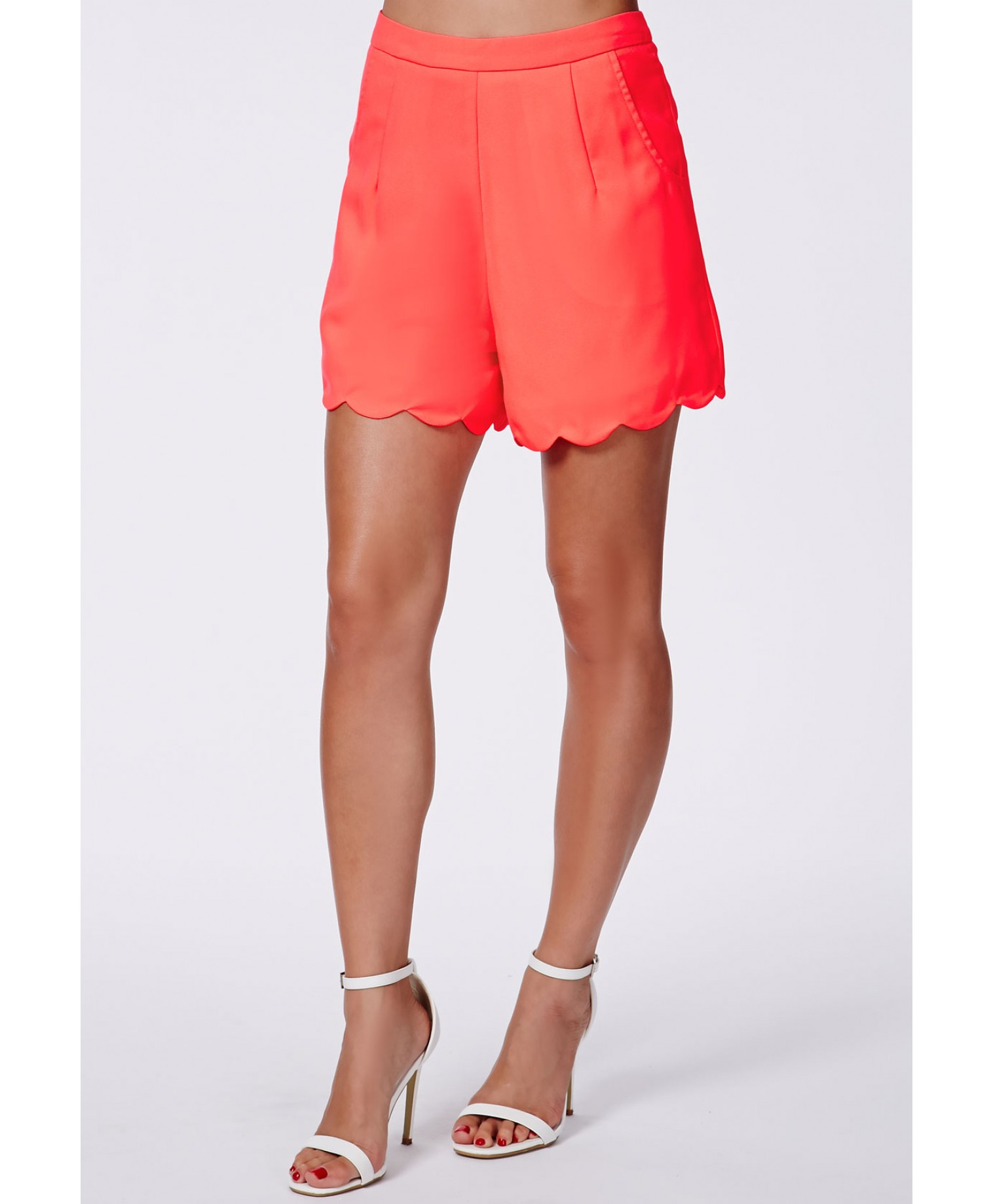 Missguided Luisina Coral High Waisted Scalloped Shorts in Red | Lyst