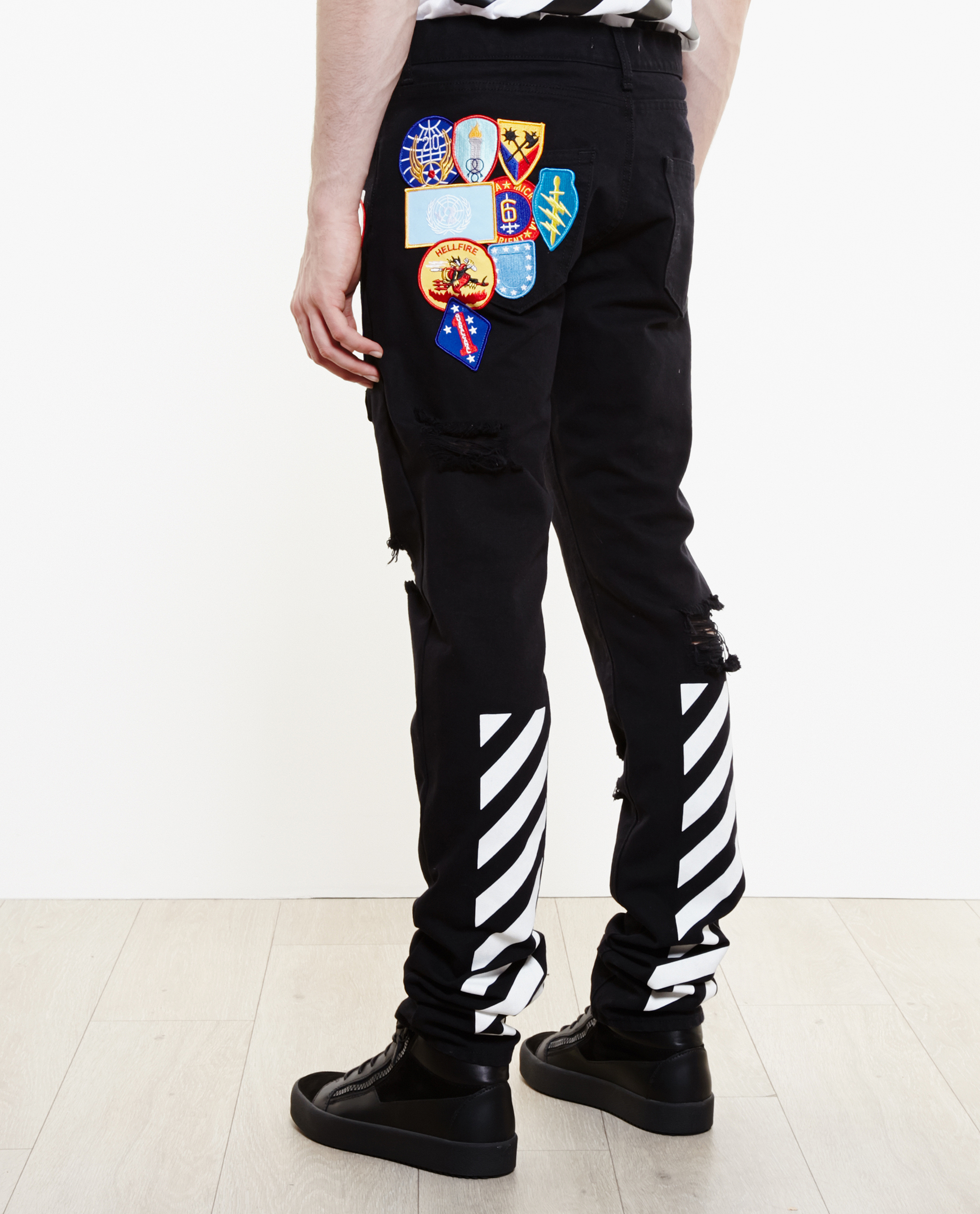 Off-white c/o virgil abloh Distressed Jeans Embroidered With ...