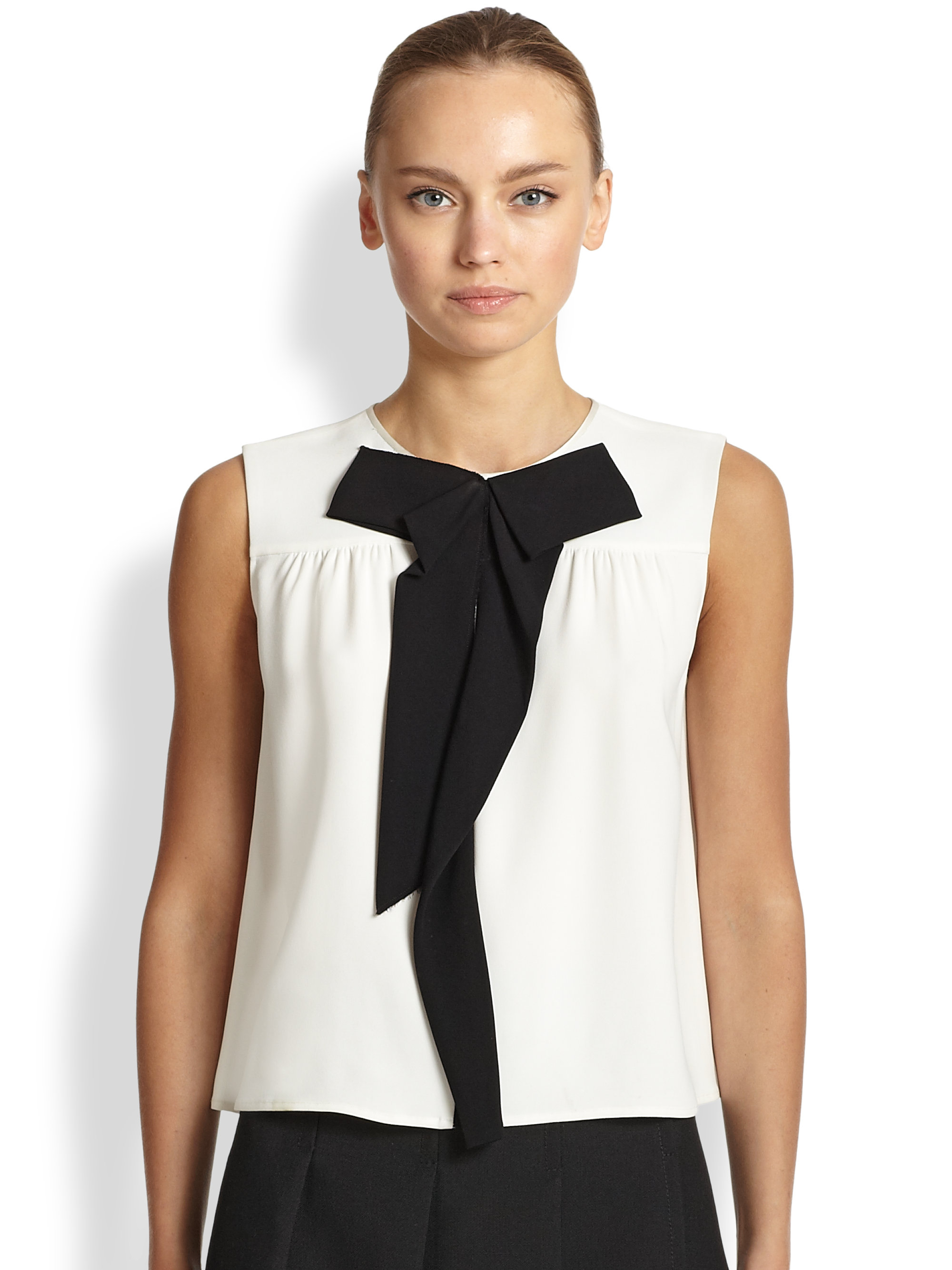 Peter Pan Collar Sleeveless Blouse