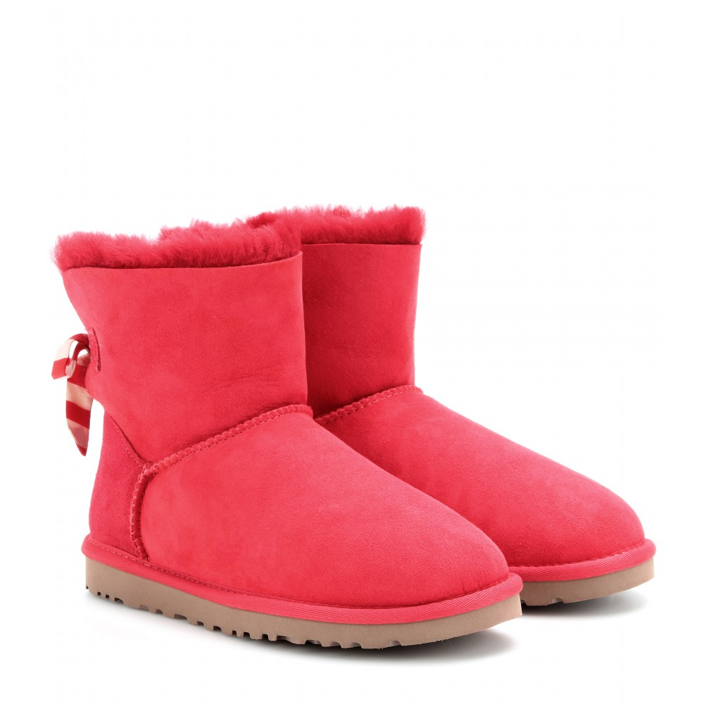 29e8ba2bdfd Lyst - UGG Mini Bailey Bow Shearling Boots in Red