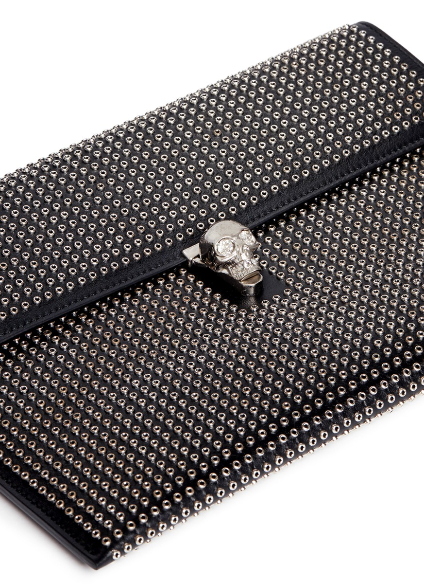 Alexander McQueen Leather clutch with silver studs iRWCzNSxaU
