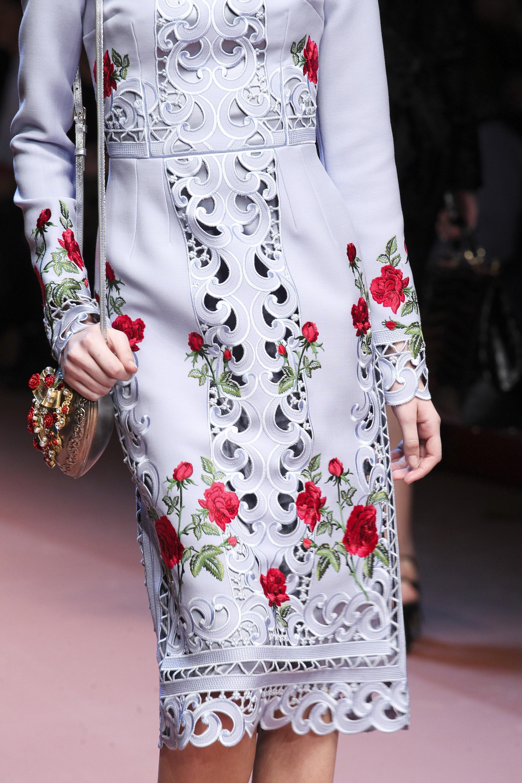 زیباترین گلدوزی روی لباس زنانه