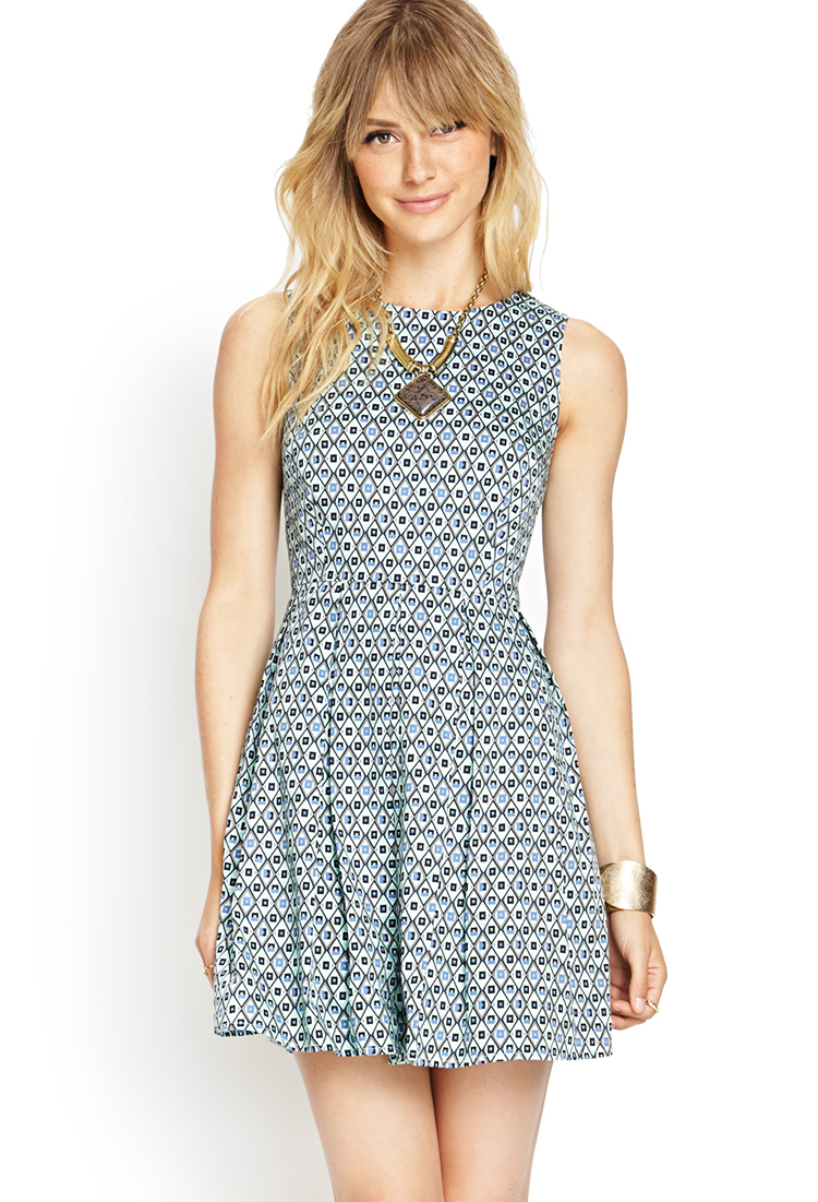 Forever 21 Contemporary Pleated Geo Tea Dress in Green | Lyst