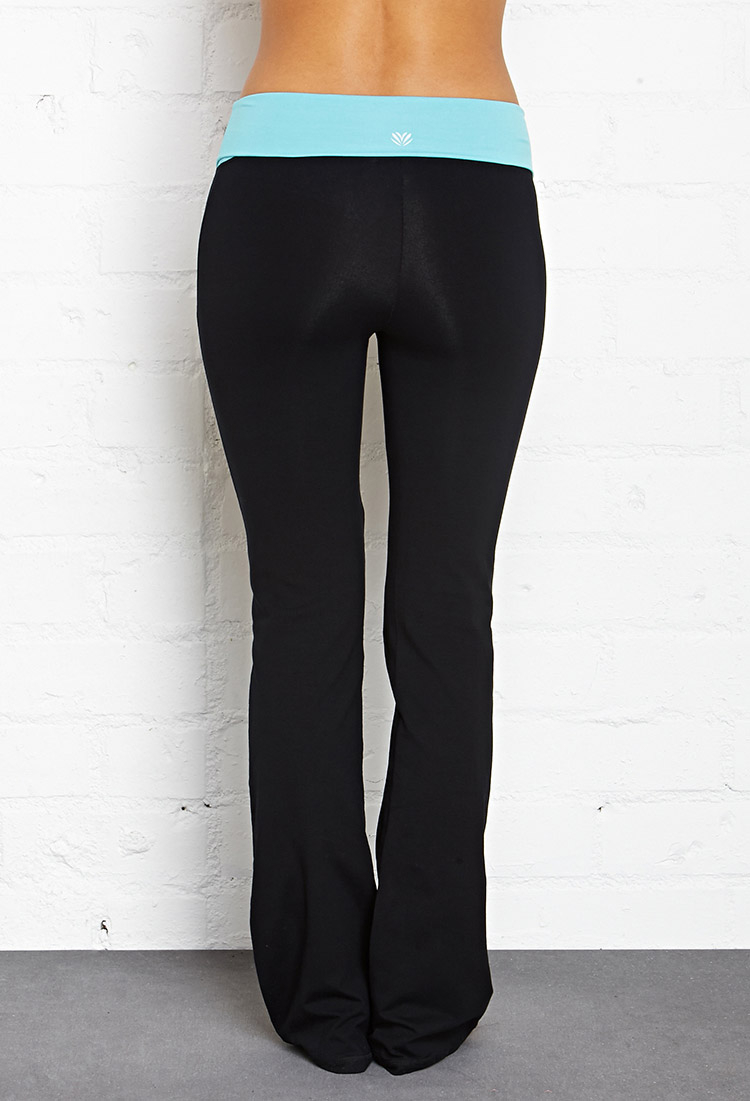 7a2790ec132119 Forever 21 Fit & Flare Fold-Over Yoga Pants in Black - Lyst