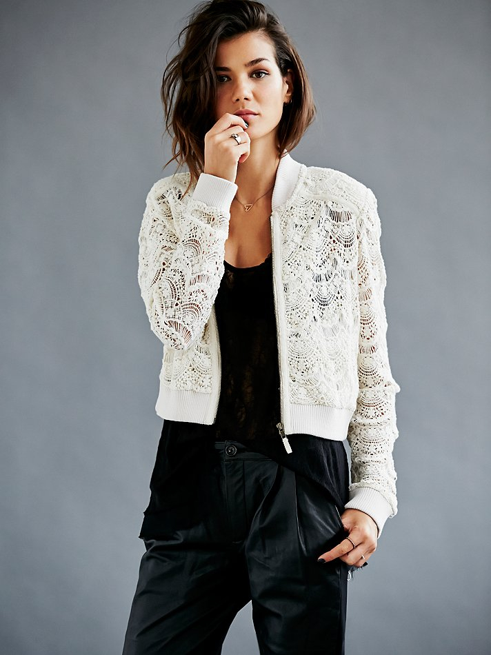 Shop our Collection of Women's White Jackets at paydayloansonlinesameday.ga for the Latest Designer Brands & Styles. FREE SHIPPING AVAILABLE!