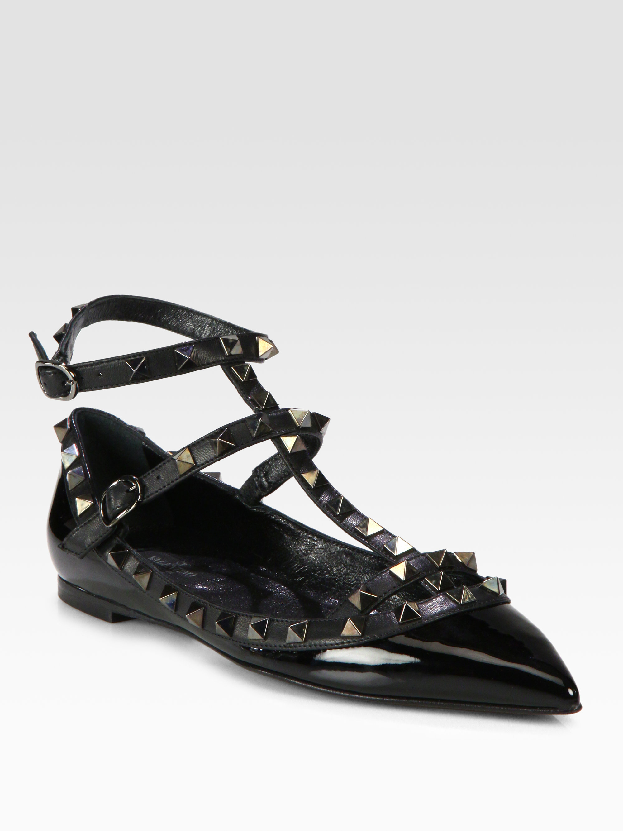 Lyst Valentino Rockstud Patent Leather Tstrap Flats In Black