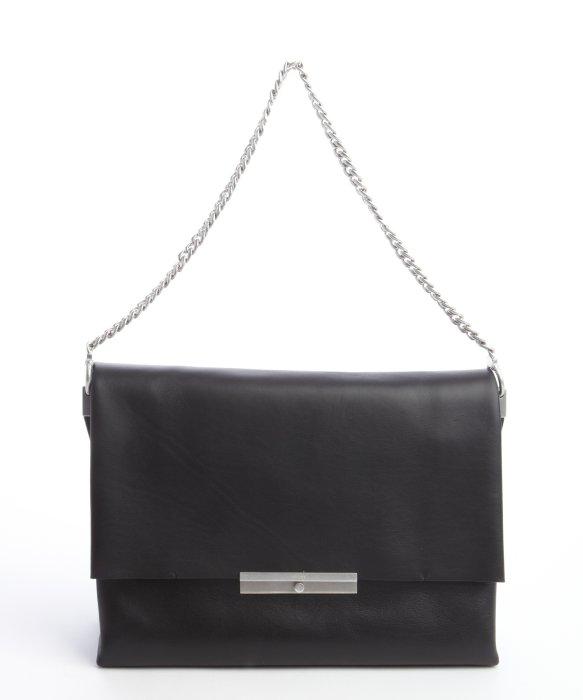 C¨¦line Black Calfskin Blade Chain Strap Shoulder Bag in Black | Lyst