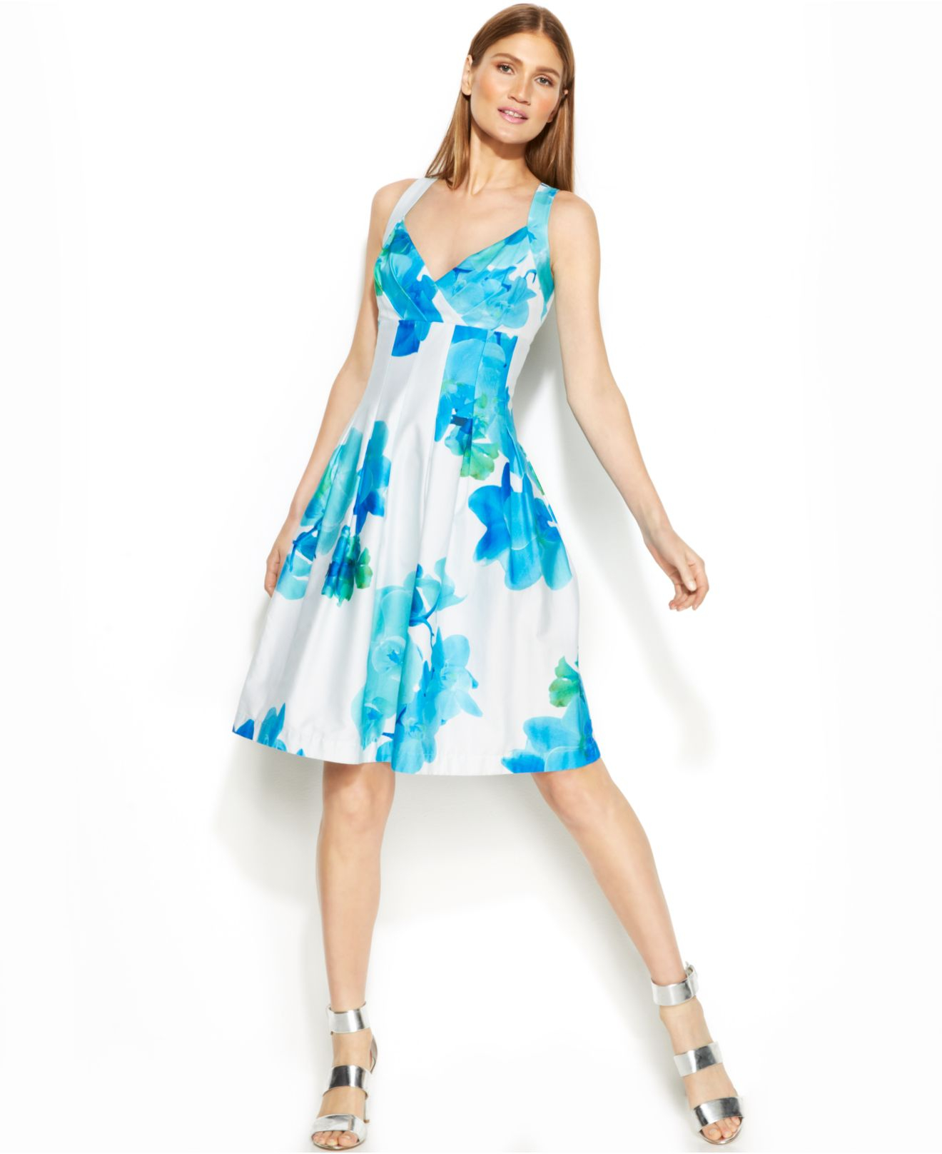 Lyst - Calvin Klein Floral-Print Pleated Dress in Blue