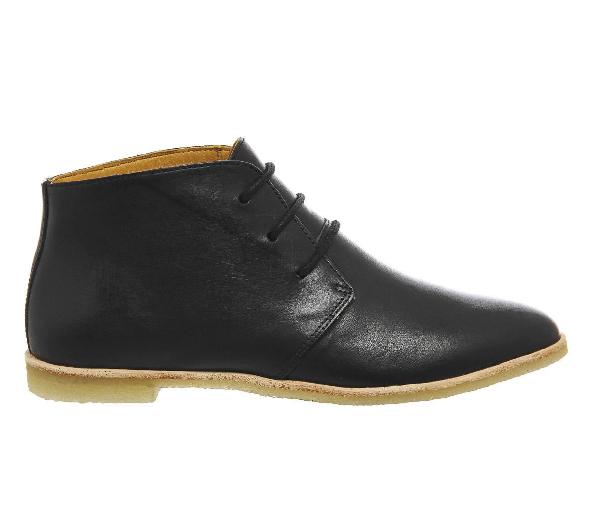 clarks phenia desert boot in black lyst