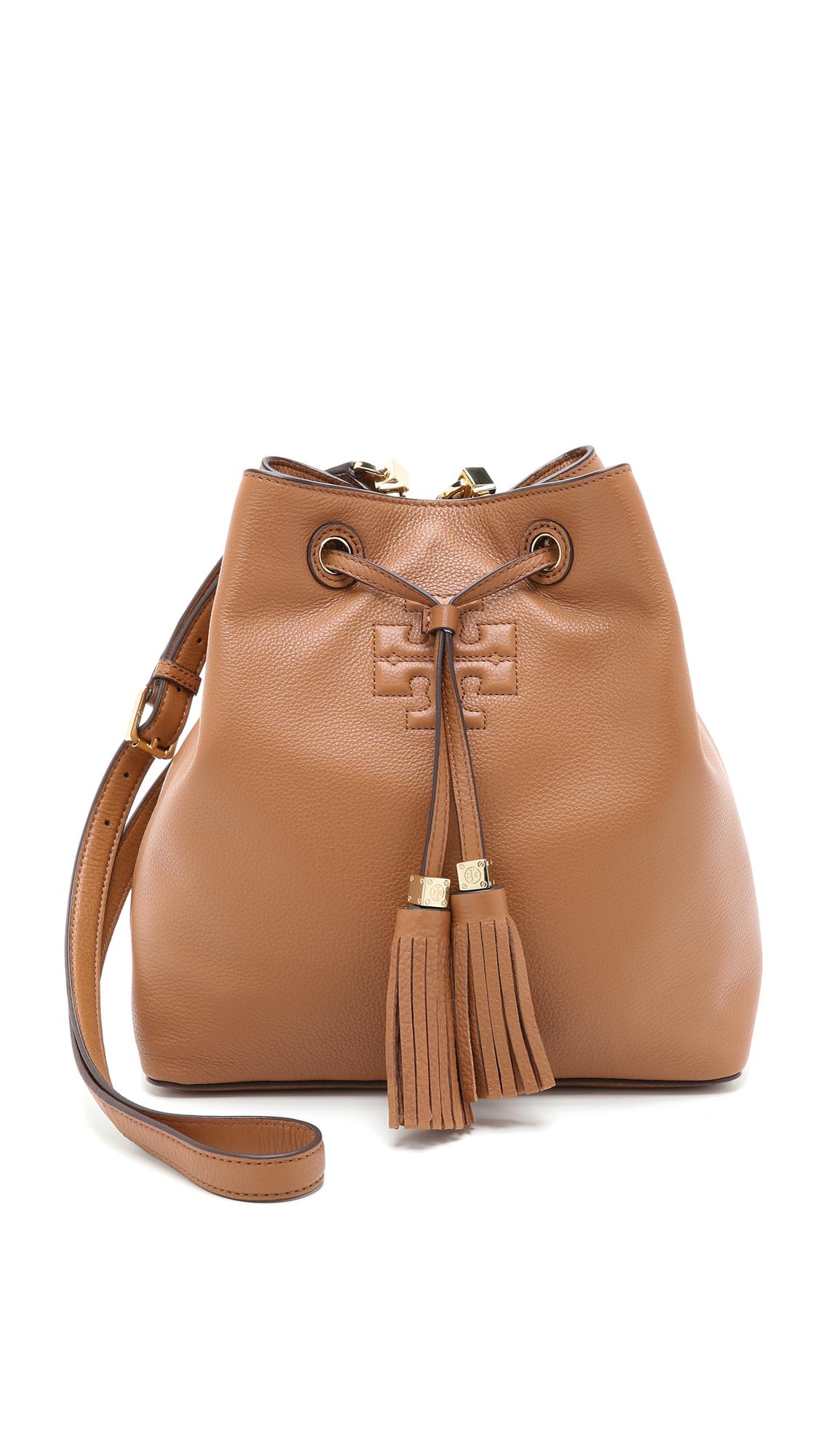 9c661d5b3e5 Lyst - Tory Burch Thea Bucket Bag - Bark in Brown