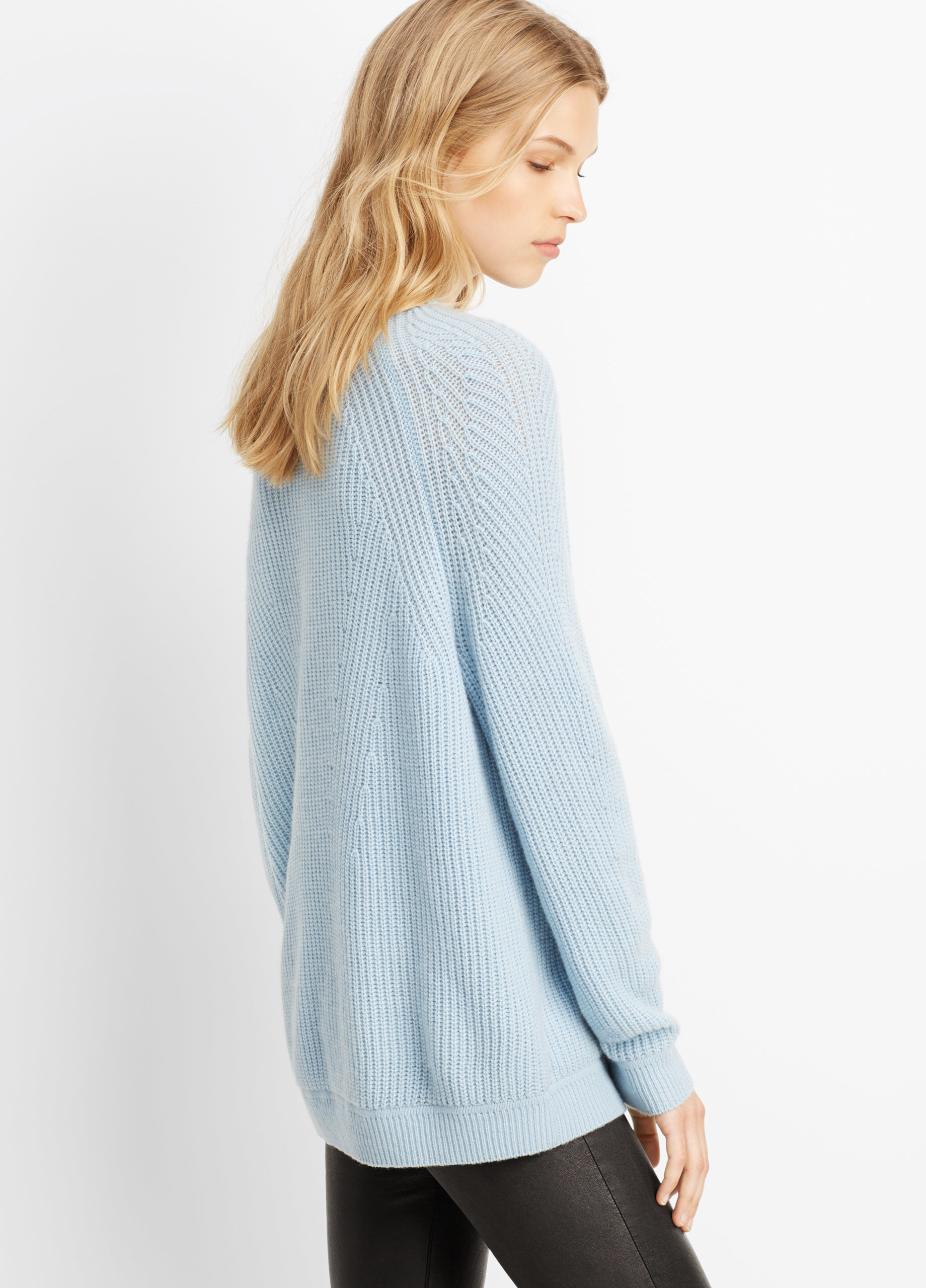 Vince Wool Cashmere Directional Rib Crew Neck Sweater in Blue | Lyst