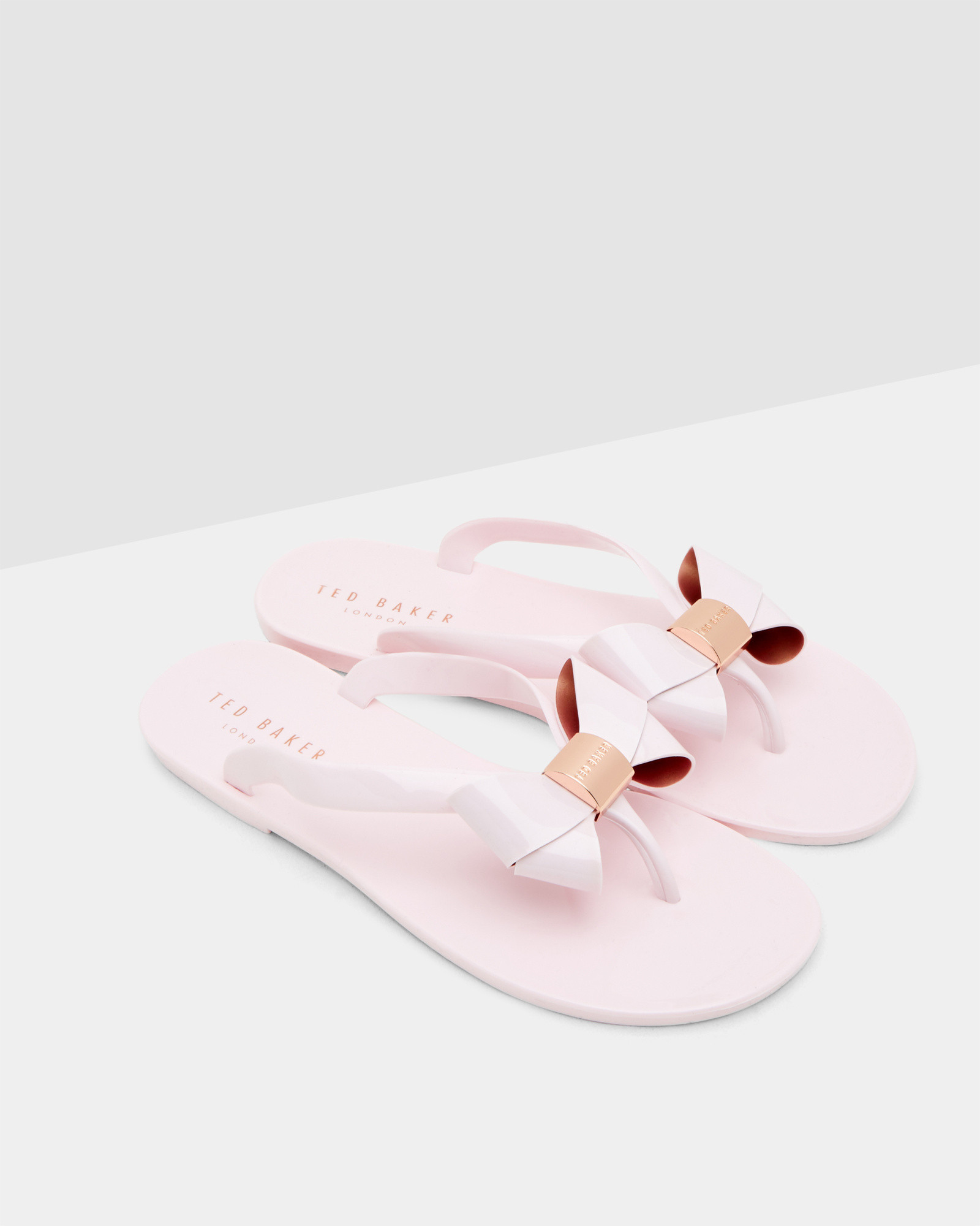 56d3970d0ec4 Ted Baker Bow Flip Flops in Pink - Lyst