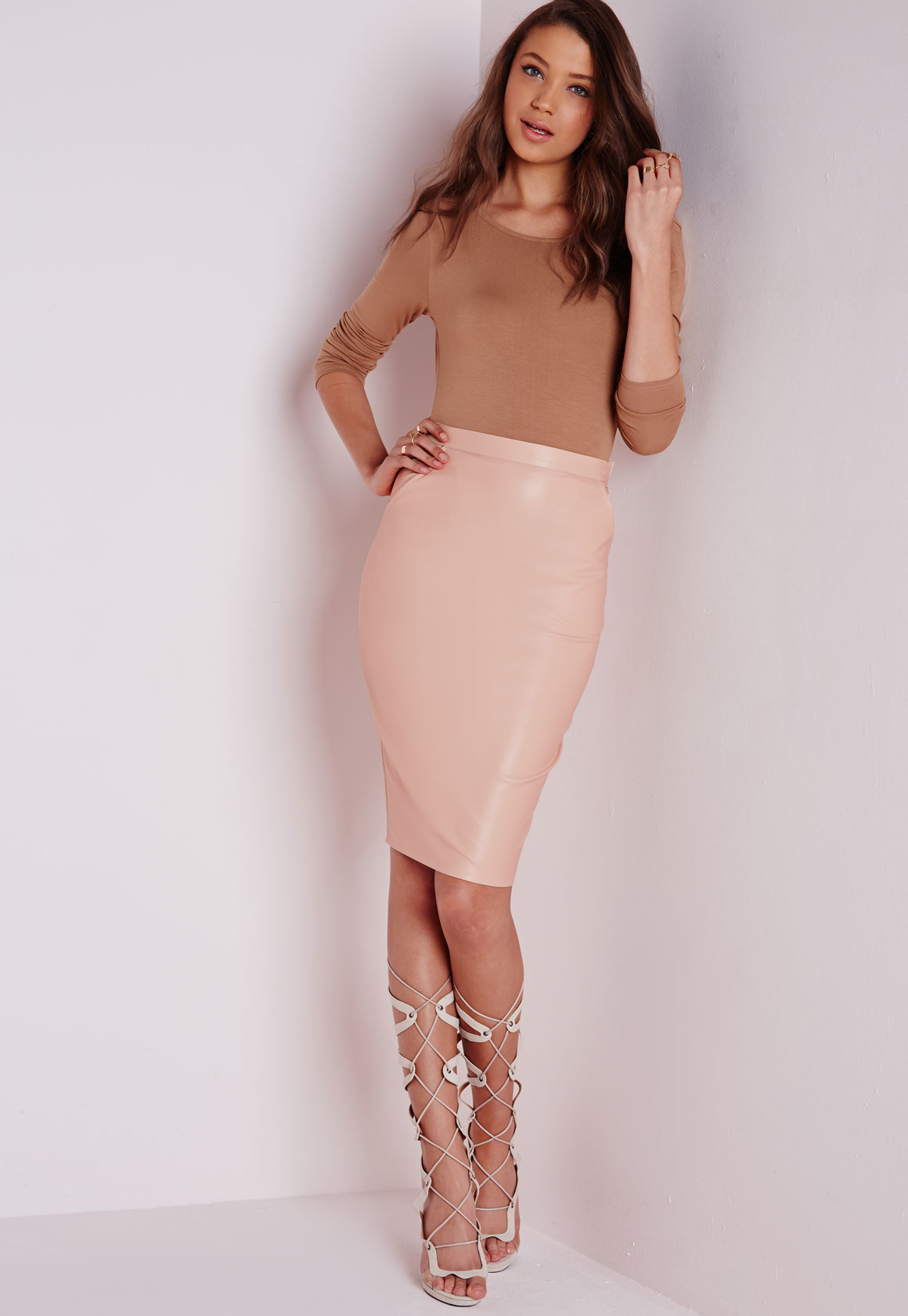 Missguided Mariota Faux Leather Midi Skirt Nude in Pink | Lyst