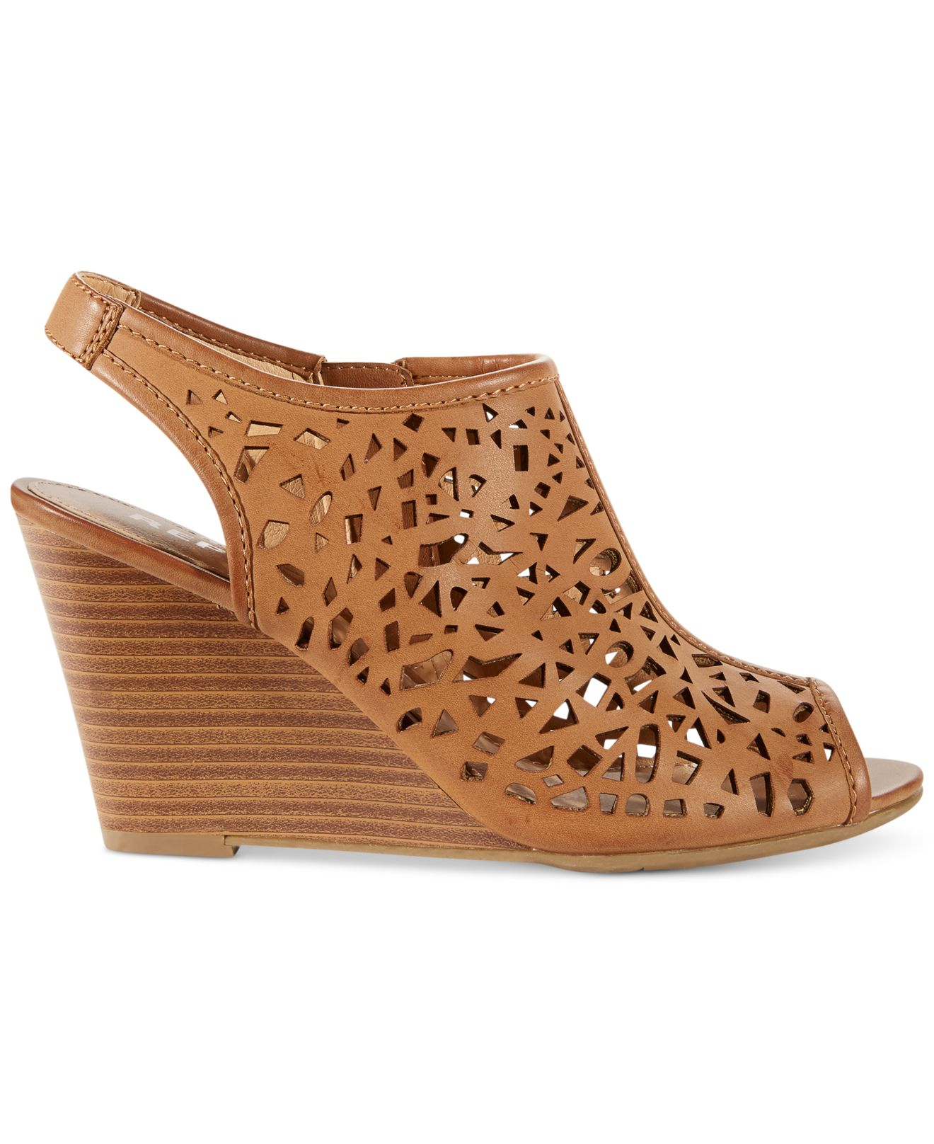 Report Stellar Laser Cut Wedge Sandals In Brown Lyst