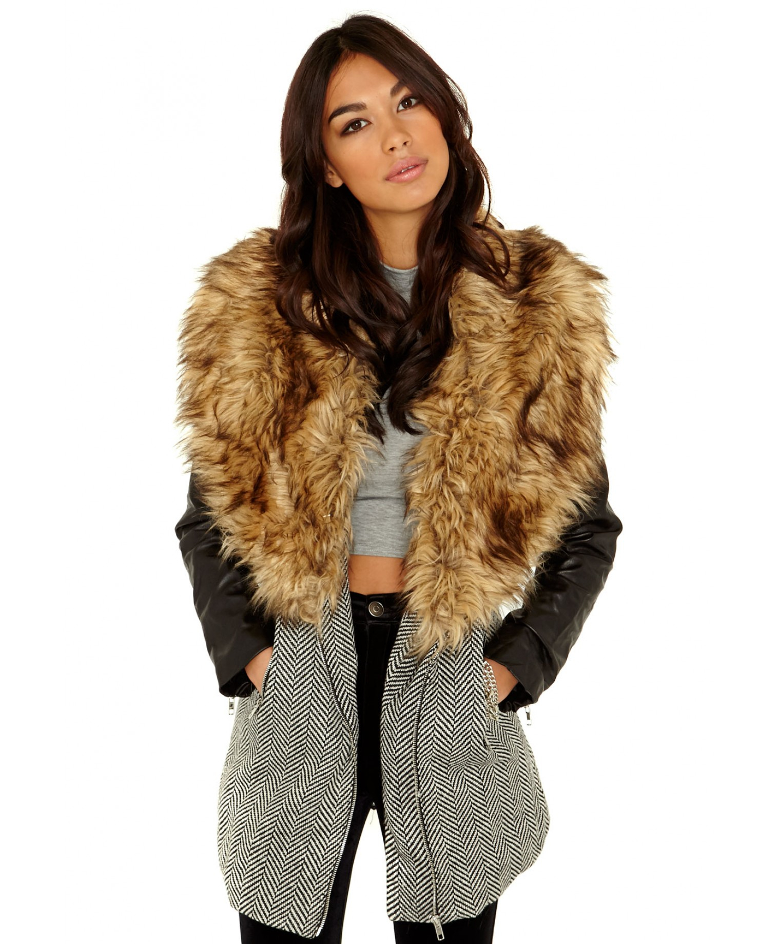Coat with fur collar – Modern fashion jacket photo blog