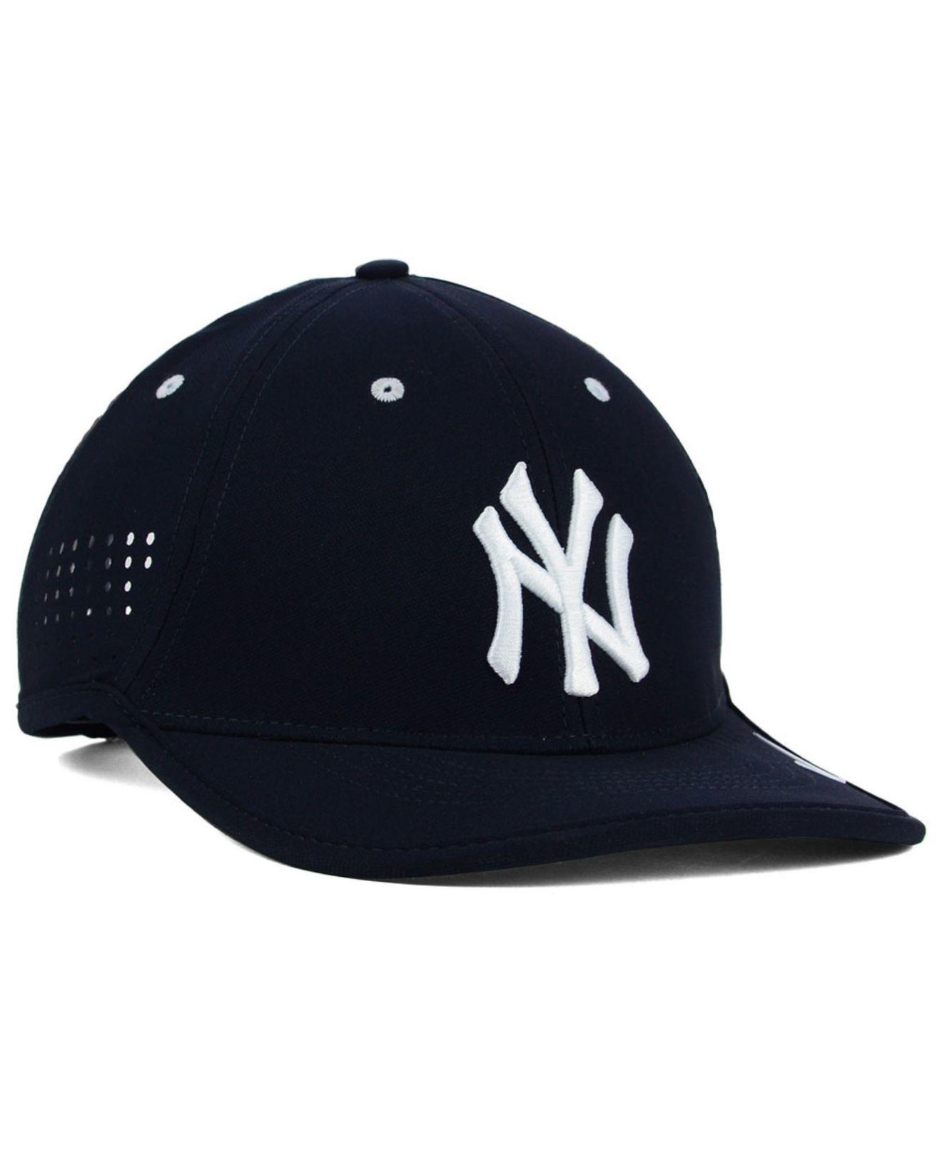 Lyst - Nike New York Yankees Vapor Swoosh Adjustable Cap in Blue for Men c0208d104f0
