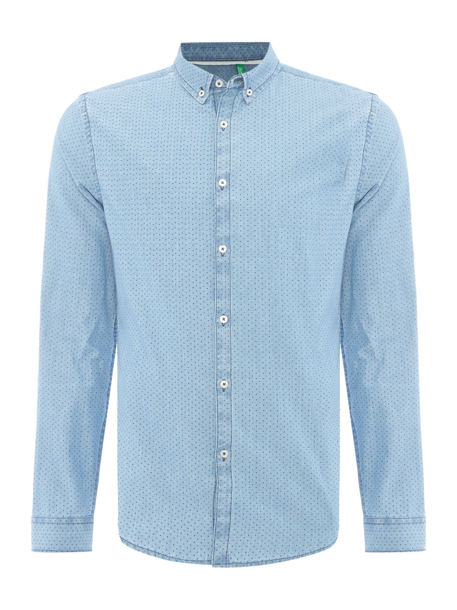 Mens Chambray Shirt Freshen up the wardrobe now with a men's chambray shirt. Often characterized by lightweight fabrics and a button-down style, these breezy shirts are great for paying tribute to the warmer months of the year, even when the temperatures dip.