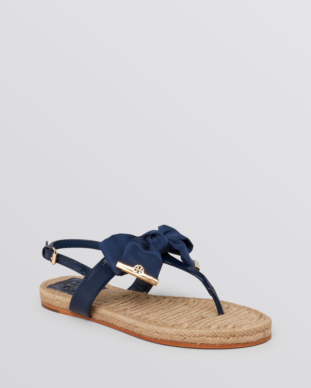 77aac64c41efff ... promo code for tory burch flat thong sandals penny bow in blue lyst  316c8 a6deb ...