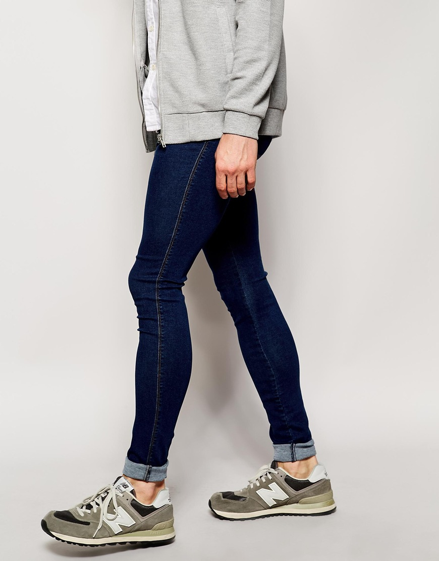 comfortable skinny jeans for men Skinny jeans adapt perfectly to men's looks of today. Cotton and elastic finishes ensure maximum mobility and comfort that fit any silhouette.