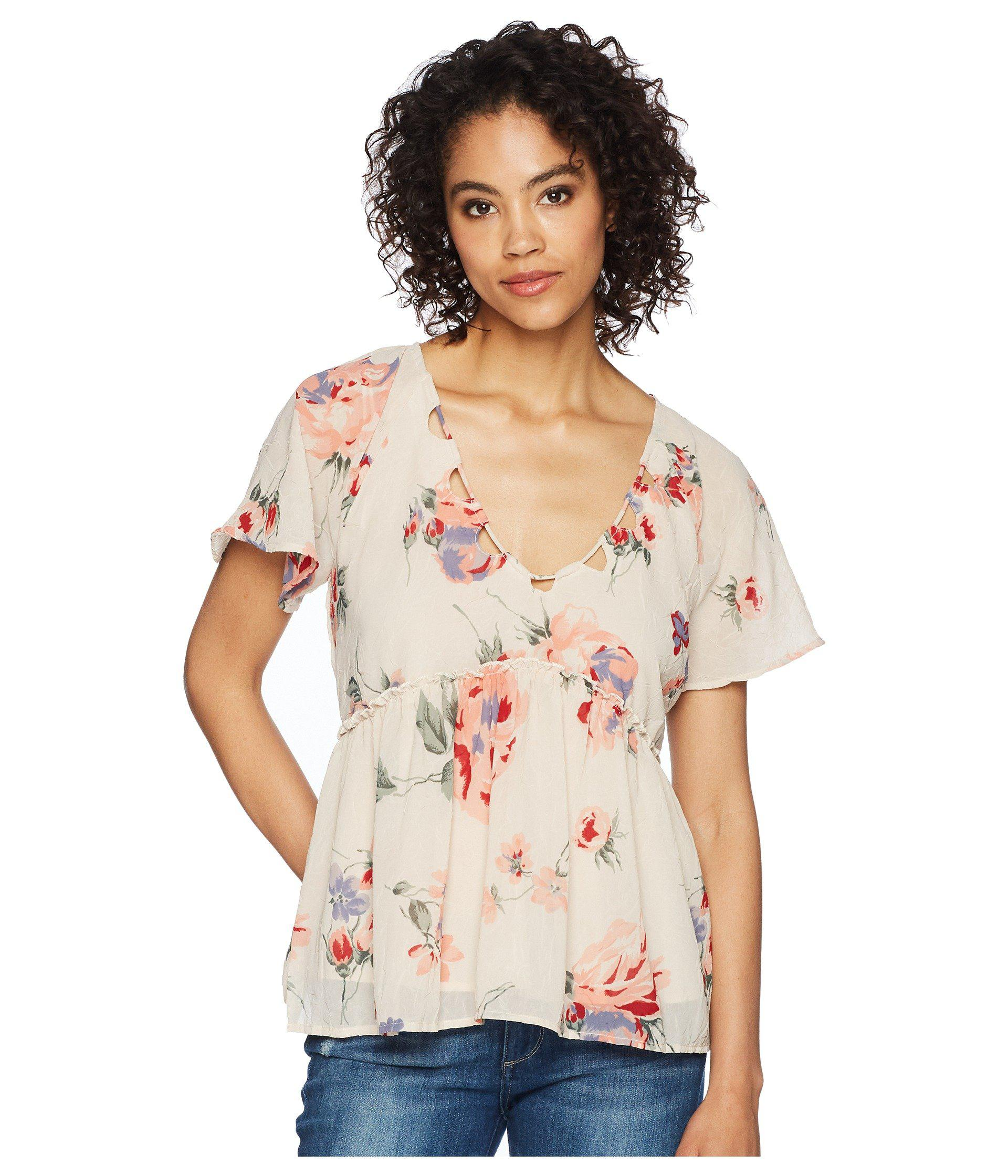 b35e4765bb8b32 Lyst - Lucky Brand Floral Flutter Top in Pink - Save 35%