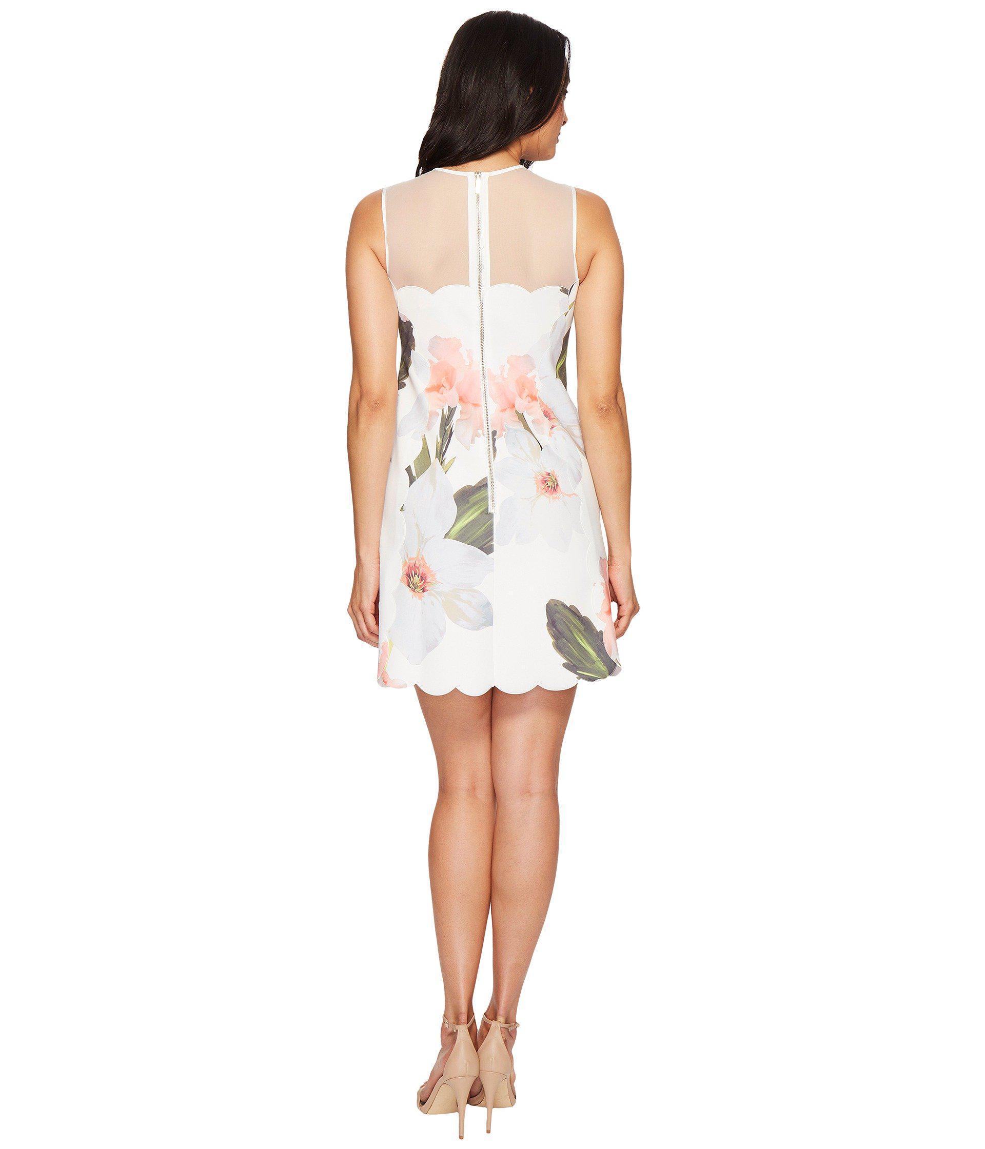 b2c23f7a47b Ted Baker Caprila Chatsworth Bloom Scallop Tunic in White - Lyst