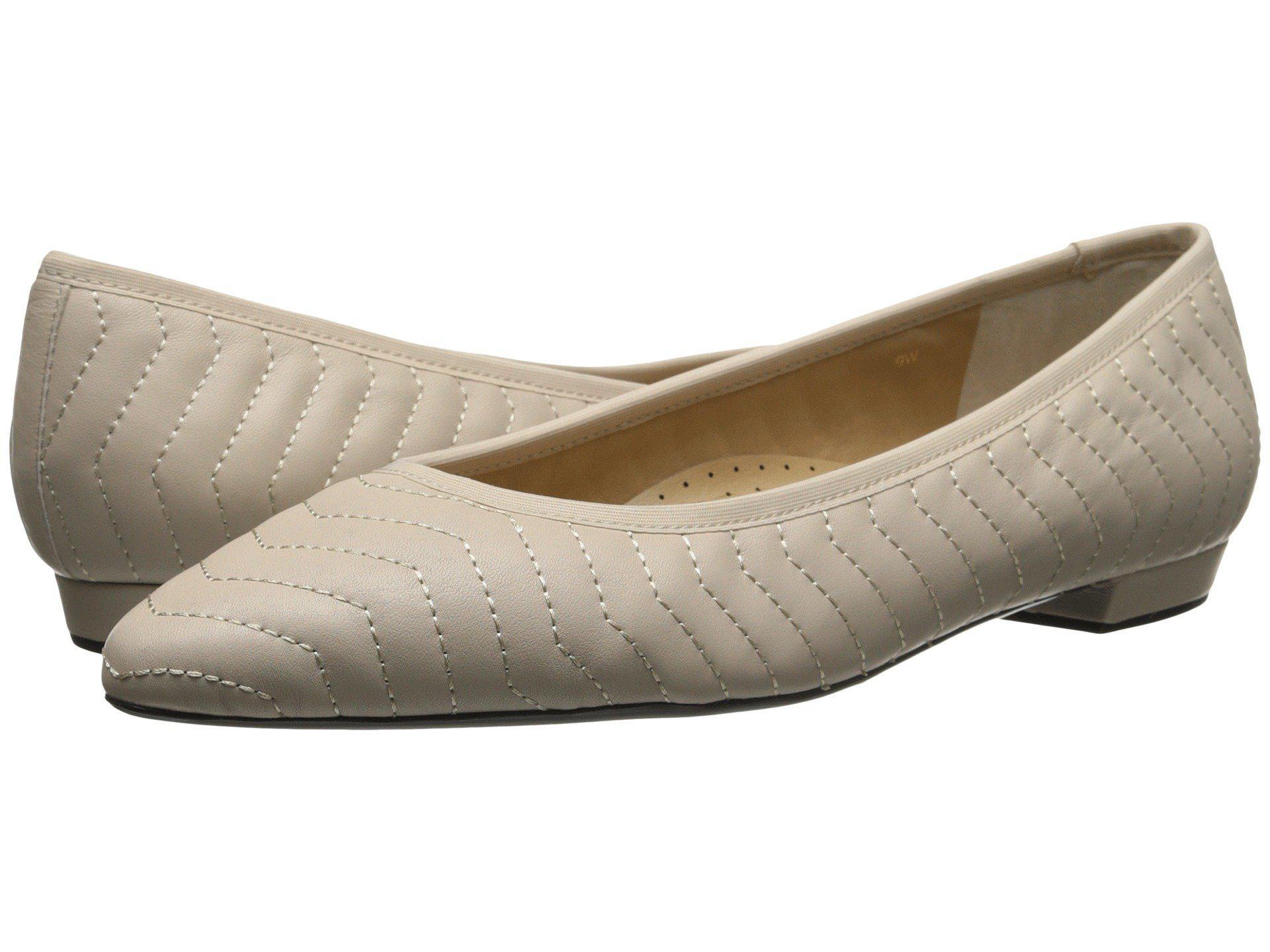 Womens Shoes Vaneli Ginebra Ecru Quilted Nappa