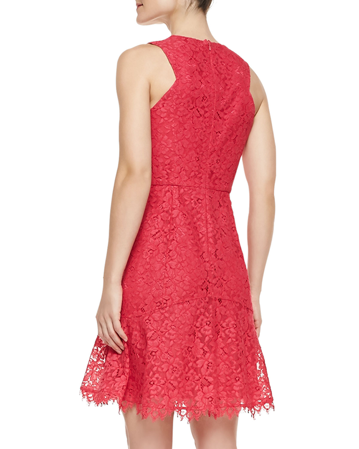 Shoshanna Eden Sleeveless Lace Dress In Red