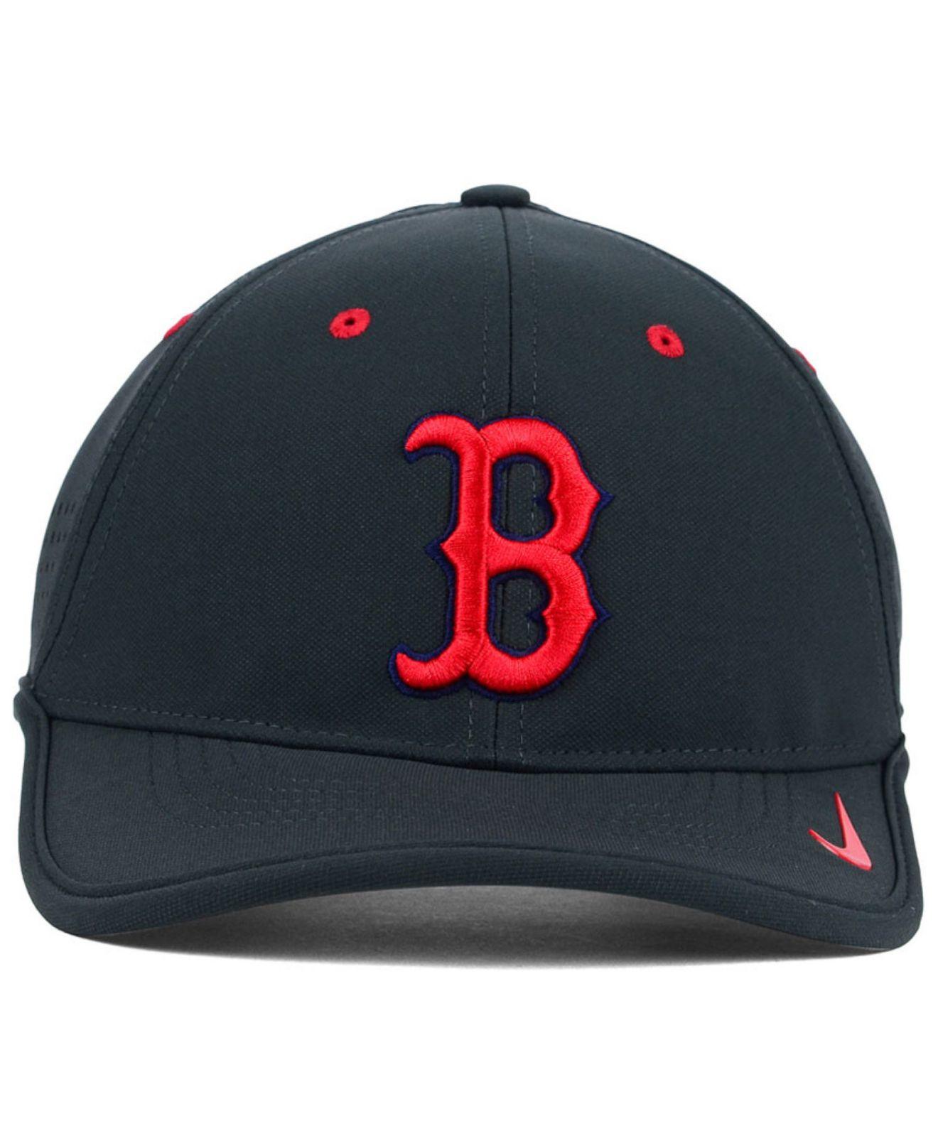 NikeMen's Gray Boston Red Sox Vapor Swoosh Adjustable Cap