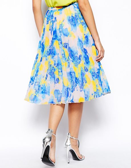 asos pleated midi skirt in floral print in blue multi lyst