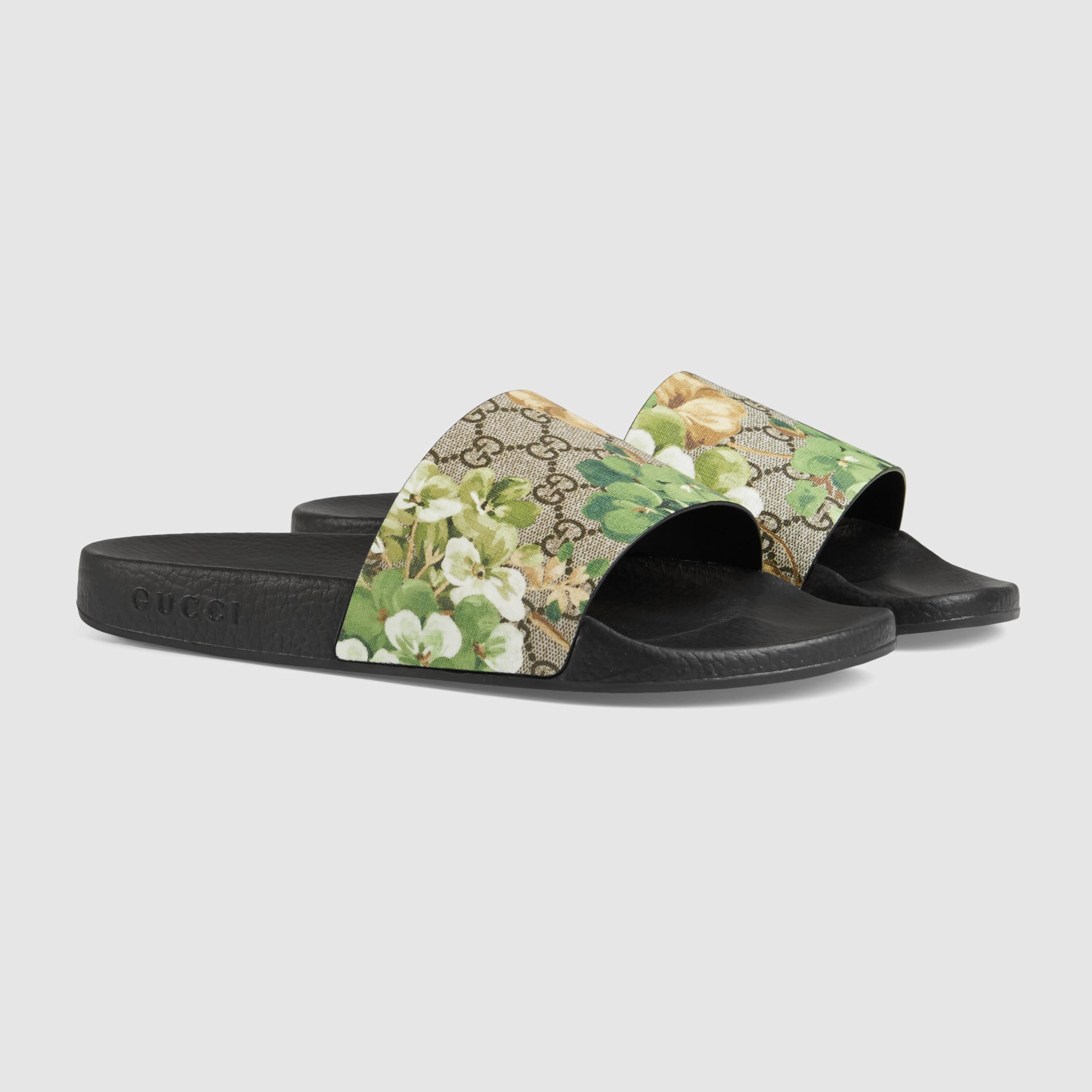 3079ae40cd5 Lyst - Gucci Blooms Print Sandal