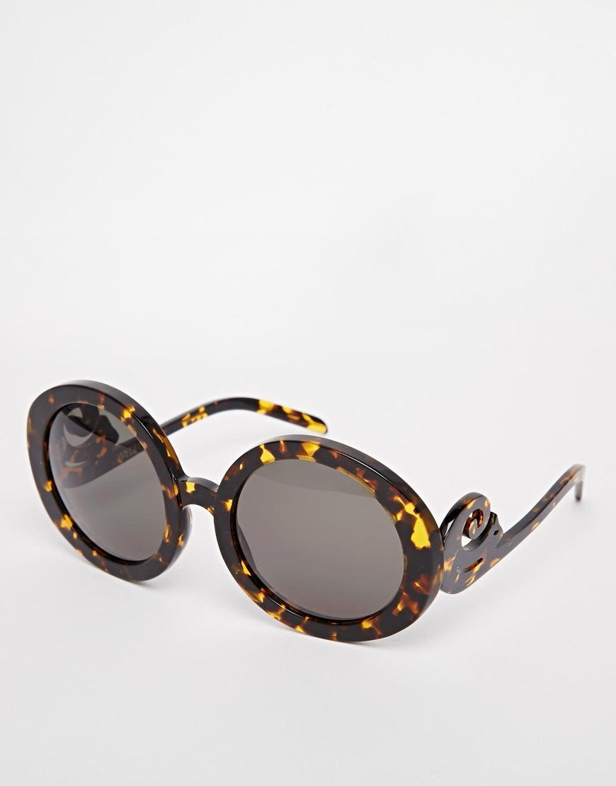 24cbc747bd Lyst - Wildfox Bianca Round Sunglasses in Brown
