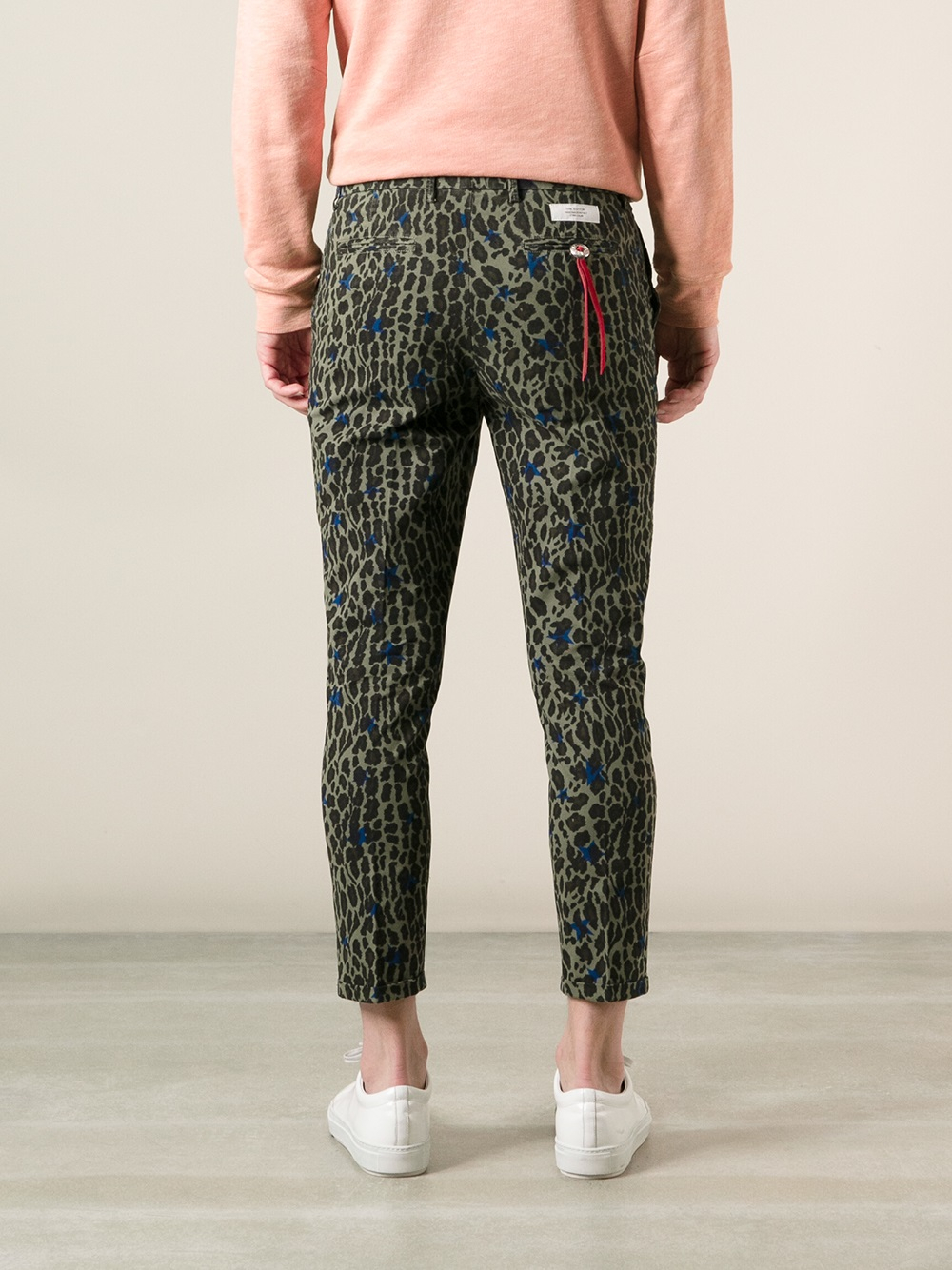 662706e52300 Saucony Cropped Leopard Print Trousers in Green for Men - Lyst