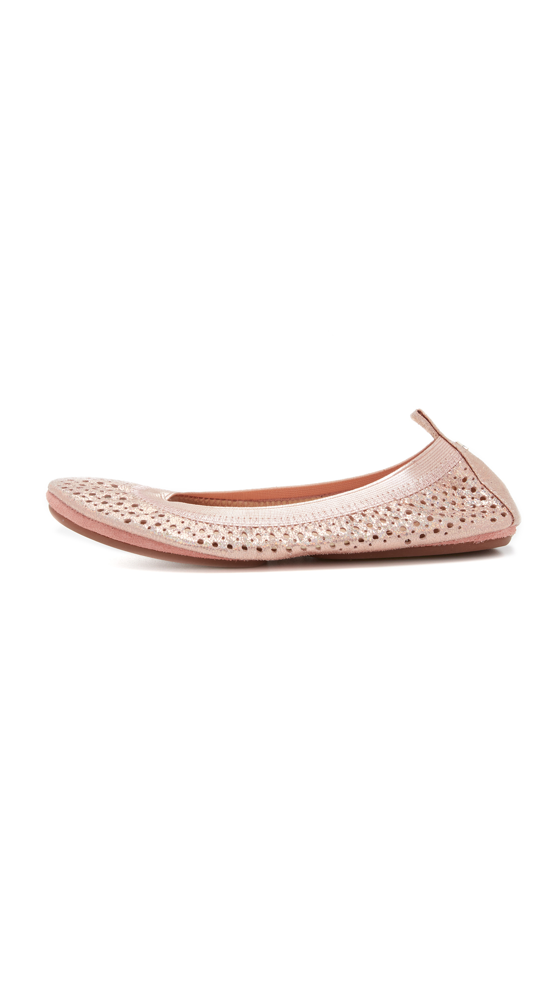 Yosi Samra felt the need to give the industry what it needed by designing a beautiful collection of classic ballet flats, flip-flops, T-strap ballet flats, classic loafers, crossover ballet flats, and handbags. Yosi Samra's shoes not only incorporate comfort, but also stunning flair.