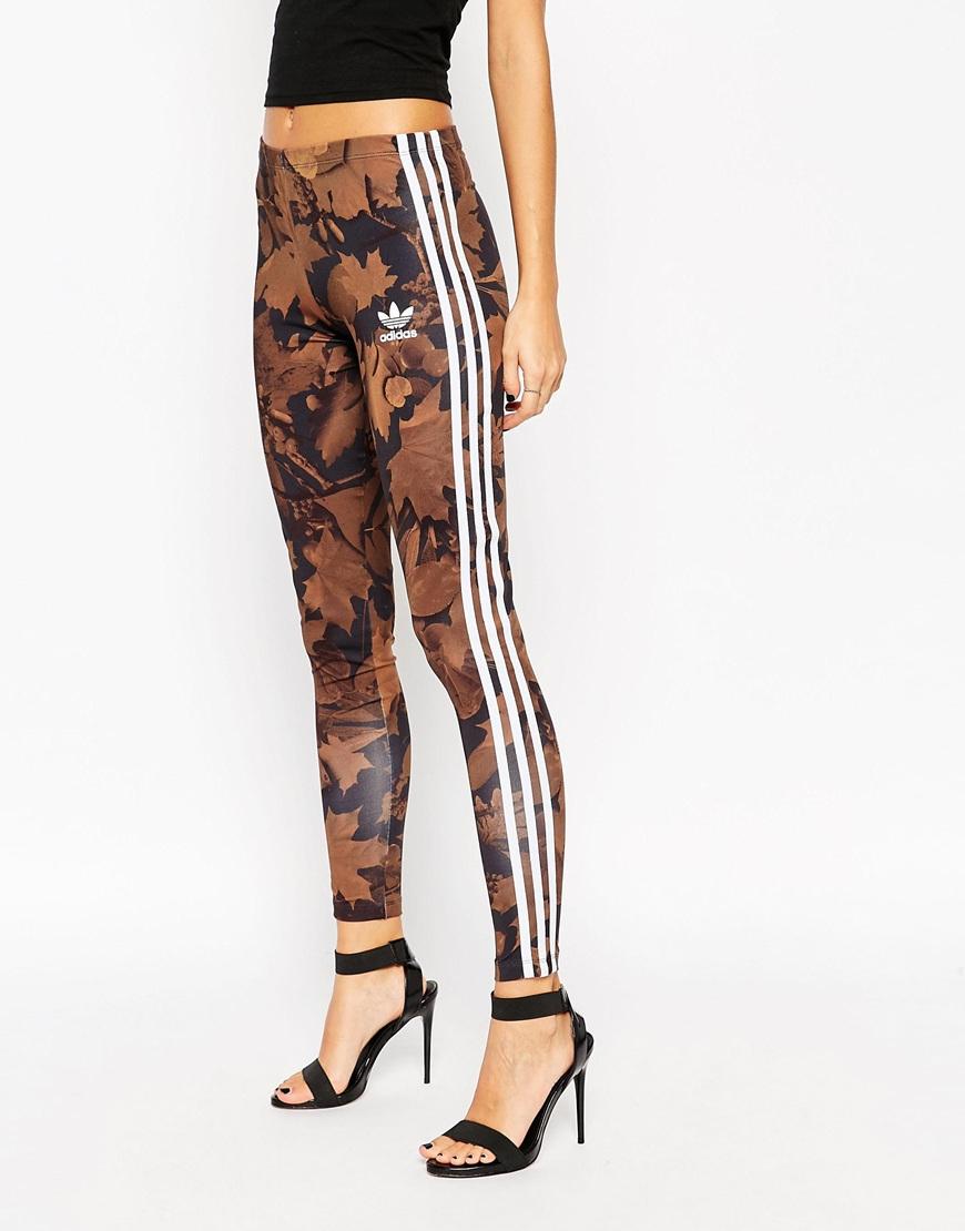 Lyst Adidas leggings en todo Camo hoja de impresion con 3 rayas