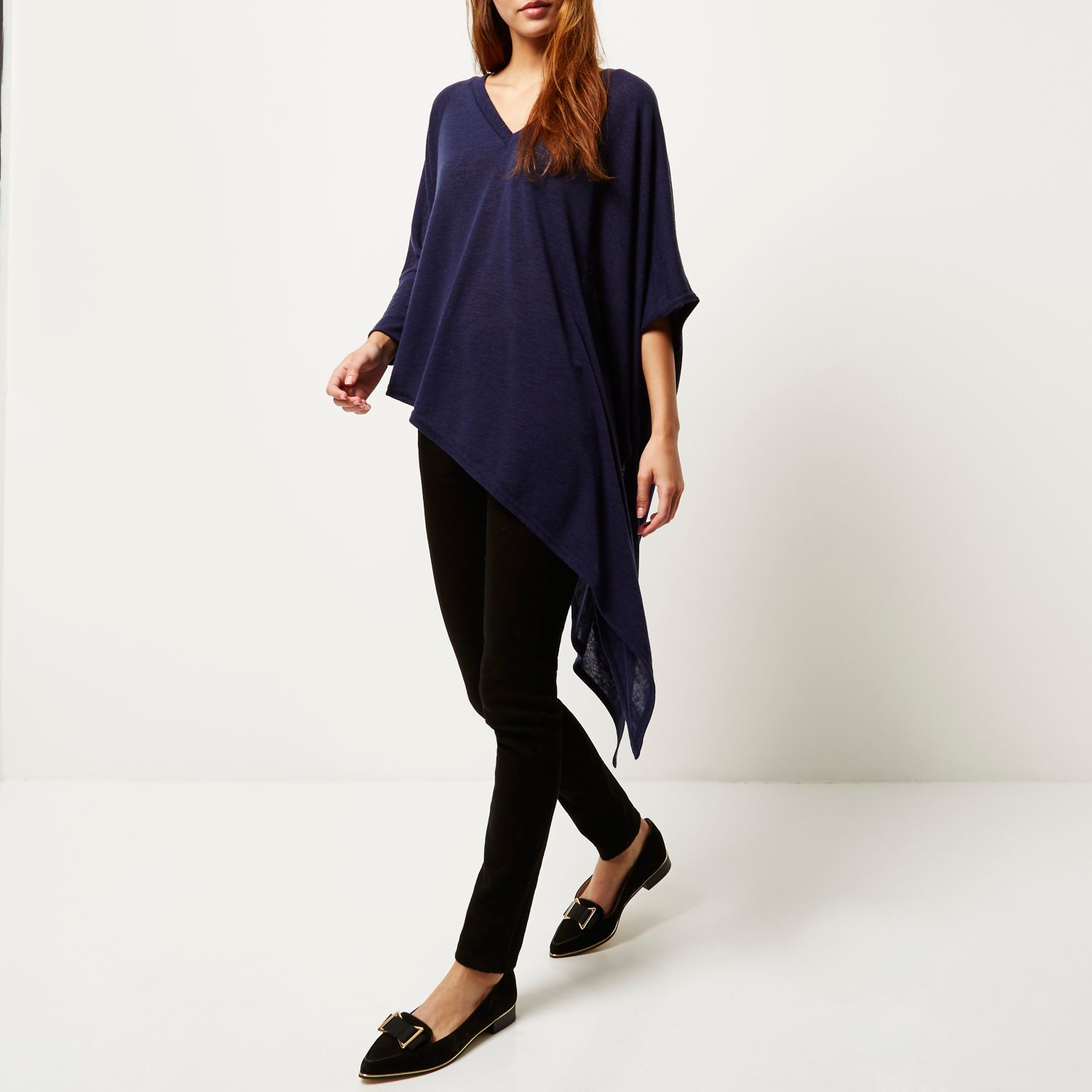 aacd4524a1029e River Island Navy Slouchy V-neck Asymmetric Knitted Top in Blue - Lyst