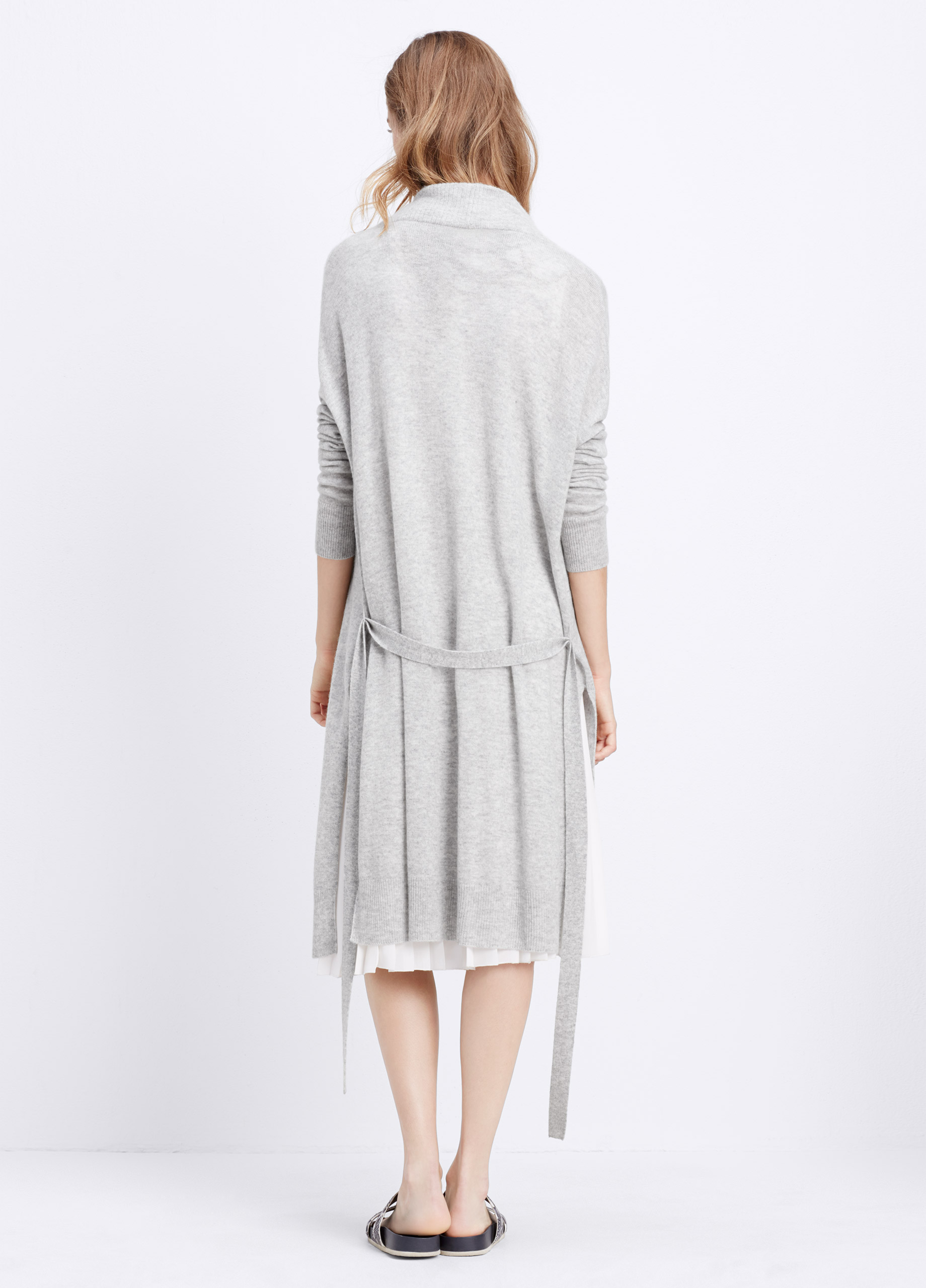 Women's Lightweight Autumn and Winter Cardigan Learn How to Wear