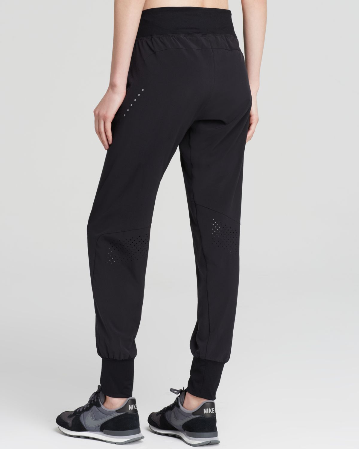 New Nike Pants  Woven Loose In Black  Lyst