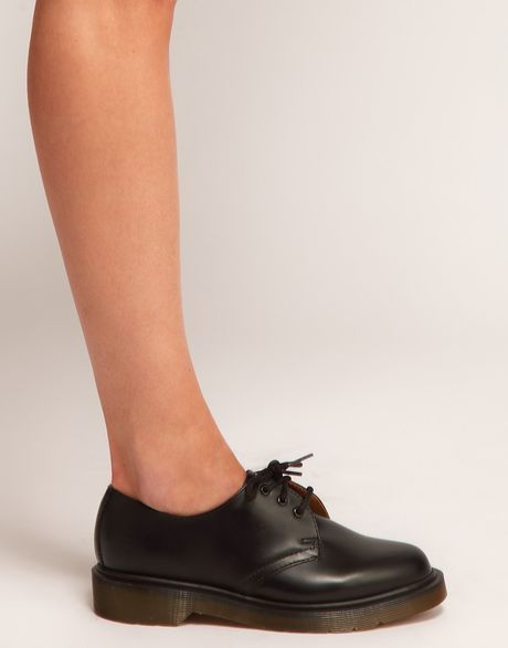 dr martens 1461 classic black flat shoes in black lyst